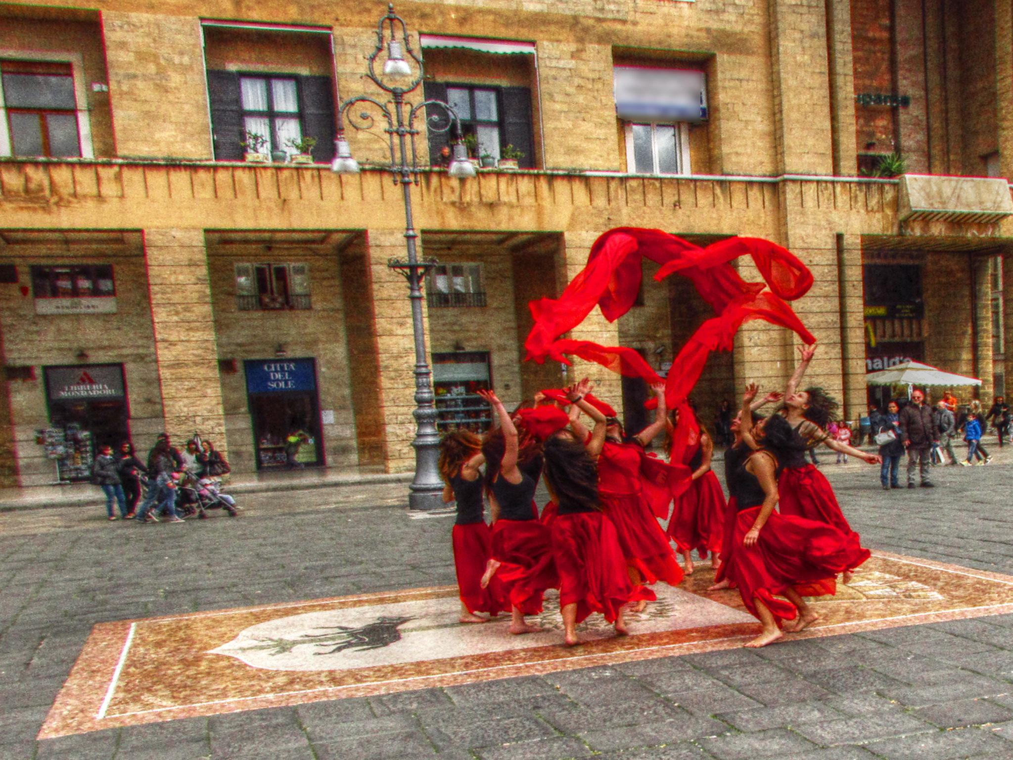 Taranta Dancers by garrisidaniele
