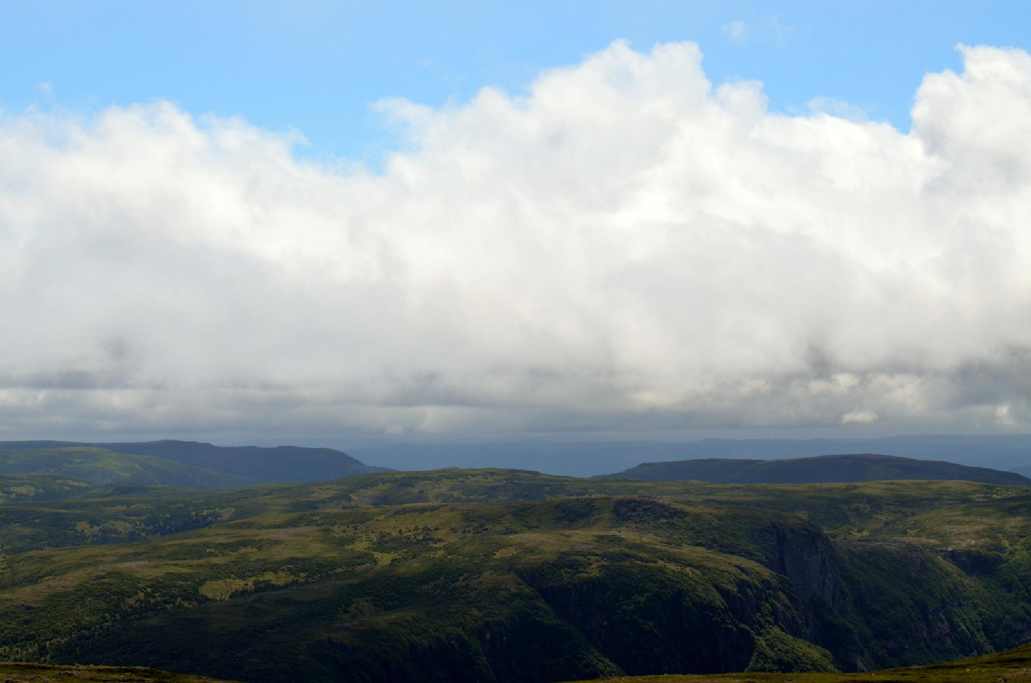 Gros Morne Mountain by lazy.human