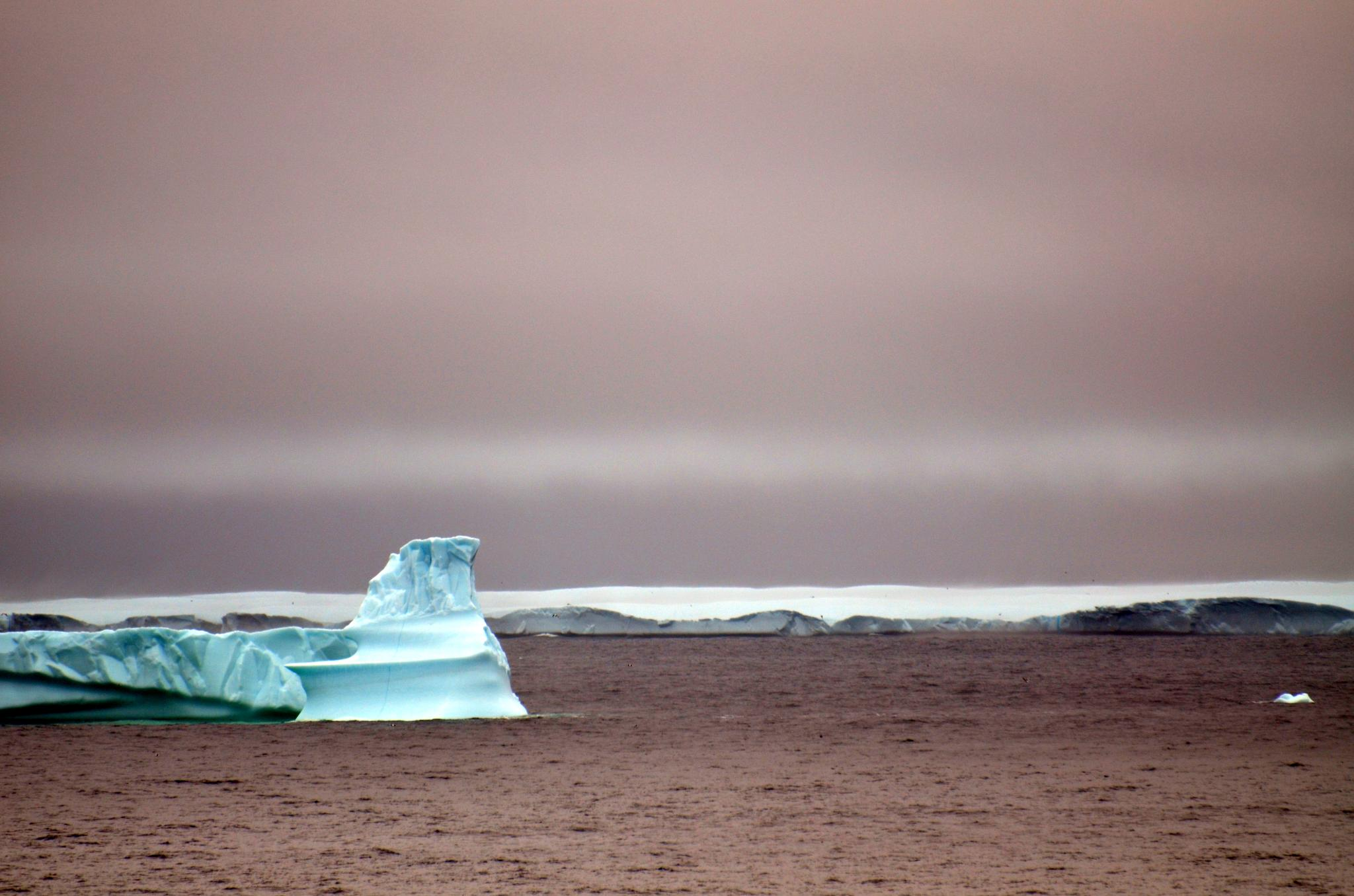 Land of Ice bergs by lazy.human