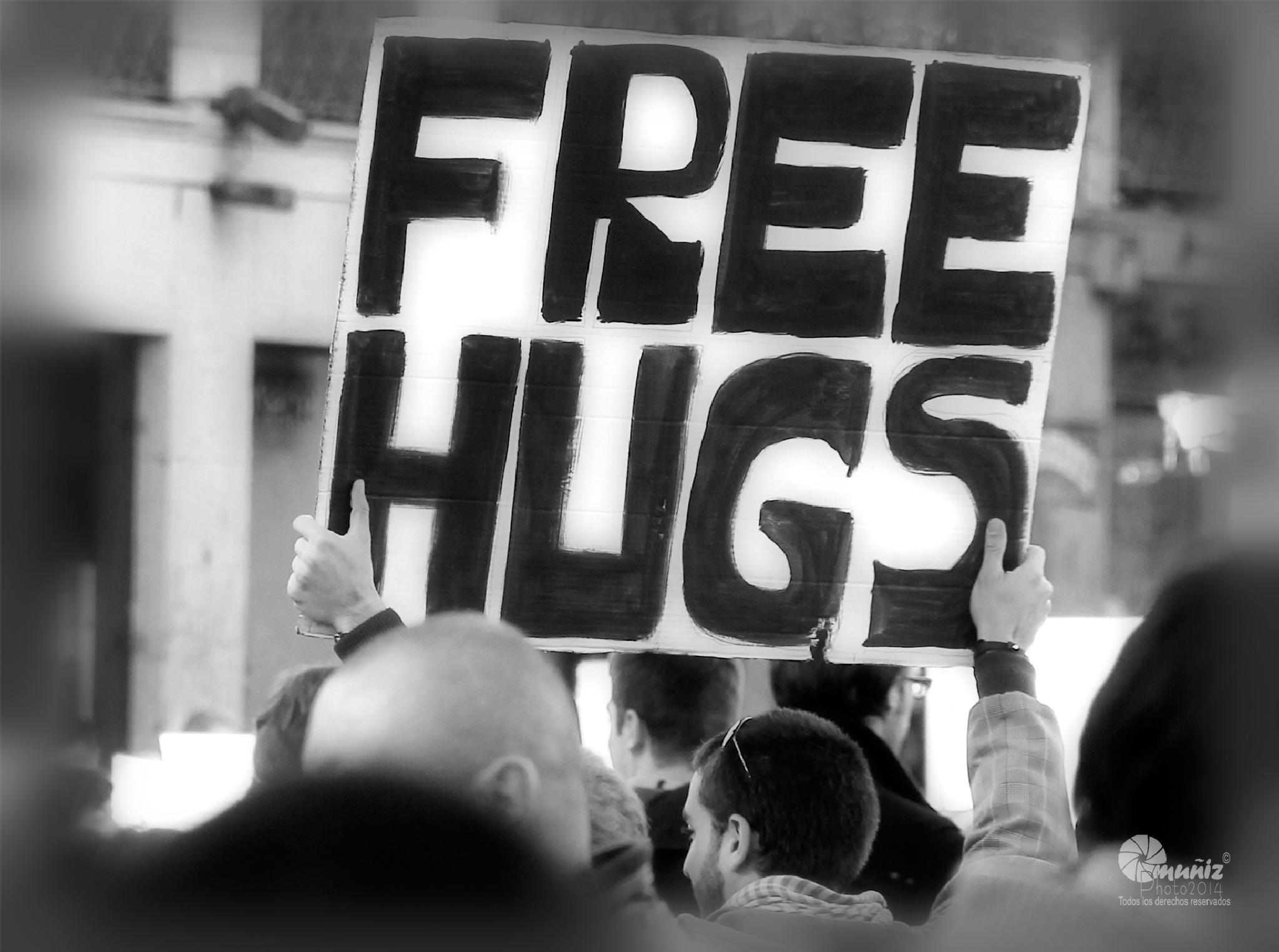 Free Hugs by Champollion Photo