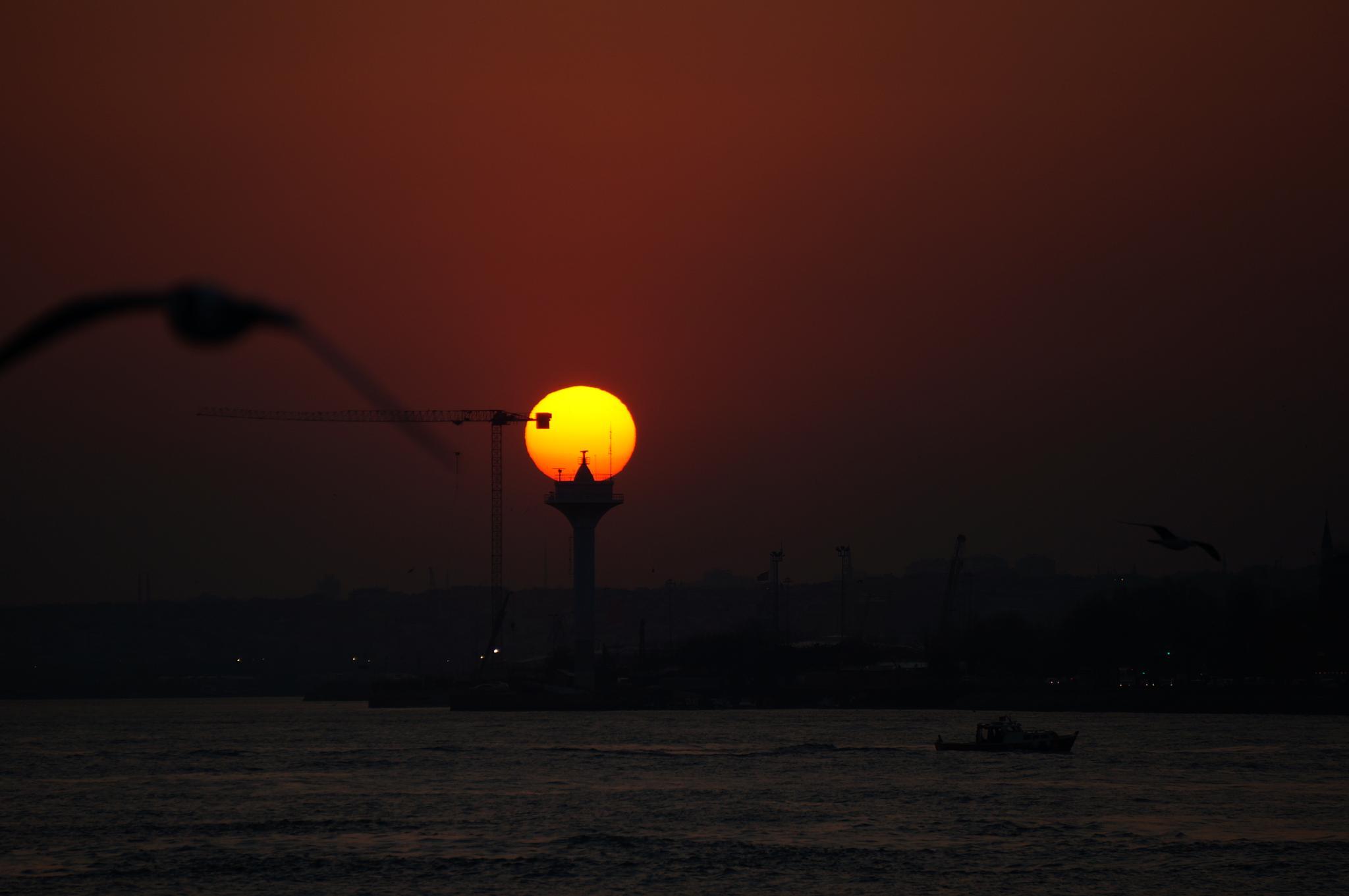 urban sun lamp by Yavuz Sevgi