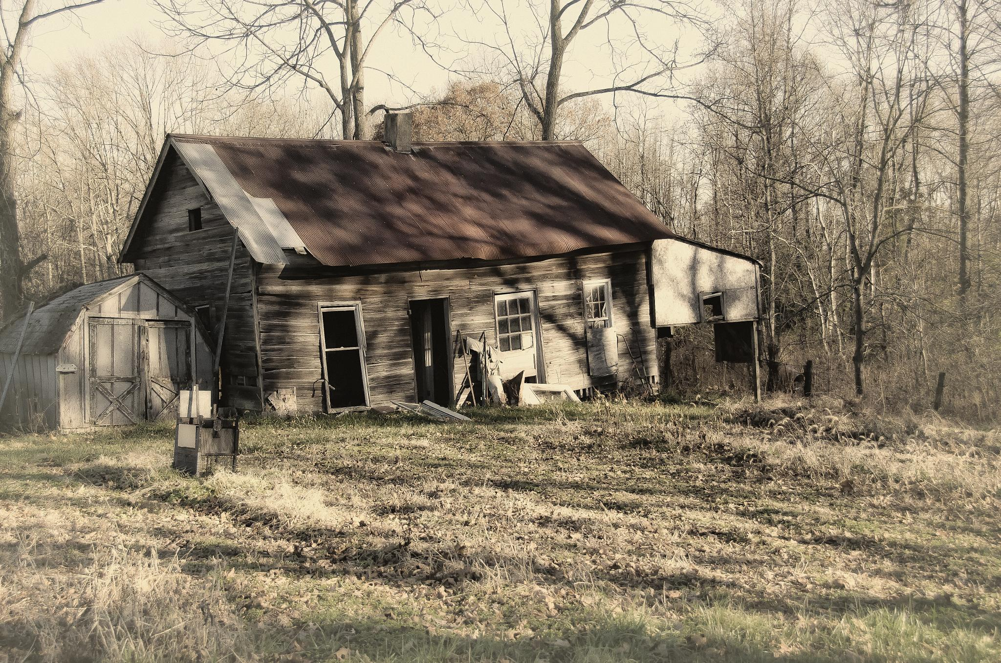 Old House by Linda Balon