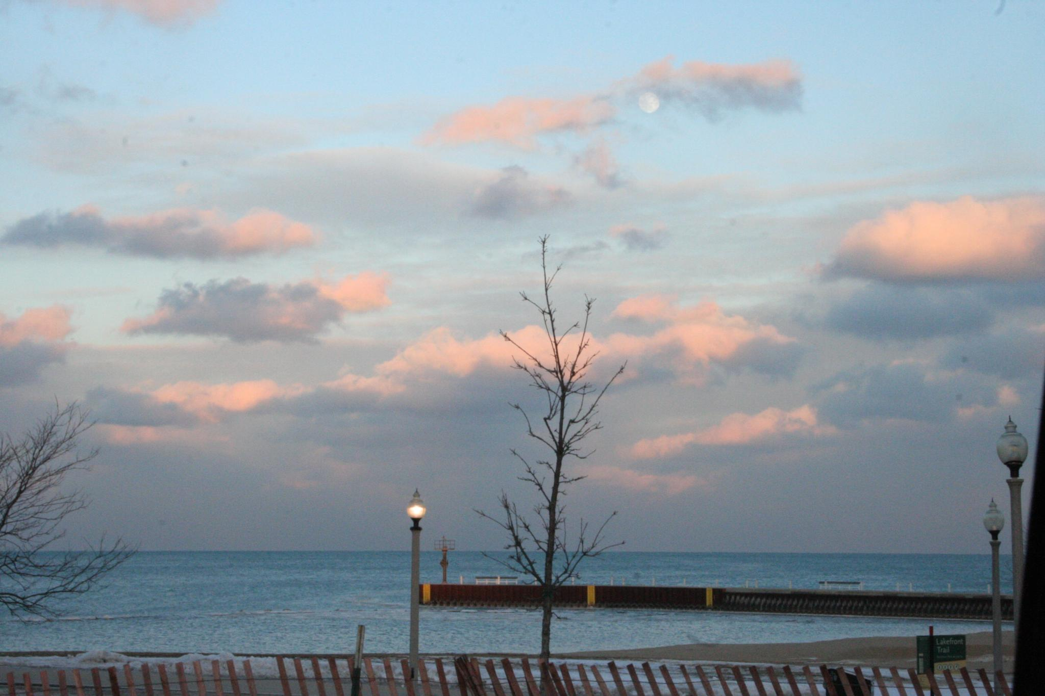 Lakefront trail by sportscop