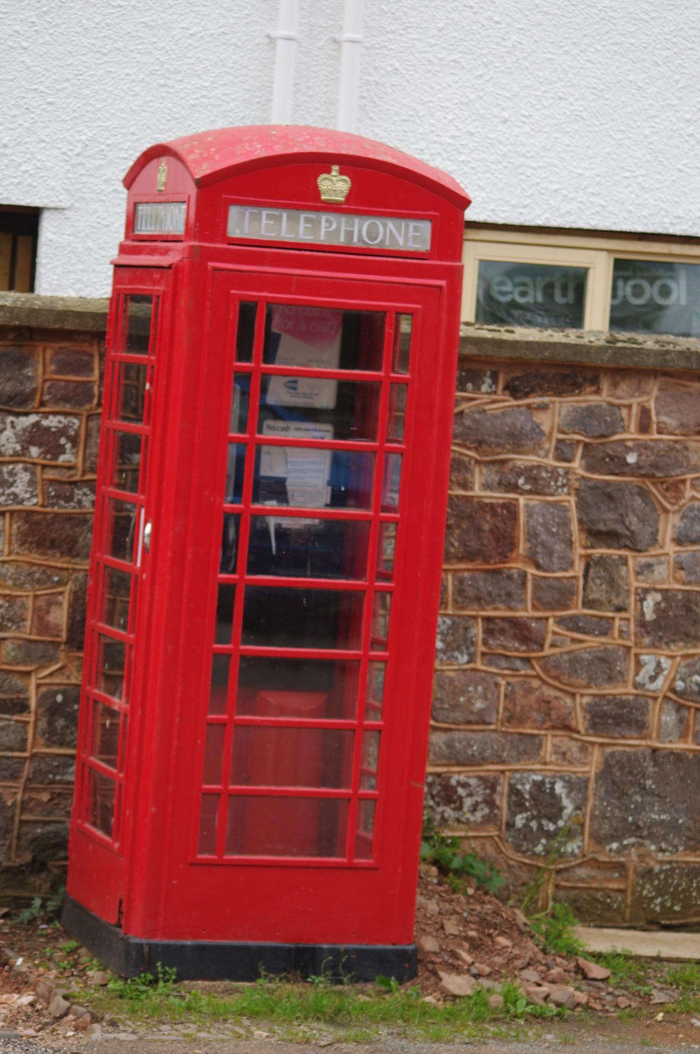 Telephone box Uk by charlie.salt.73