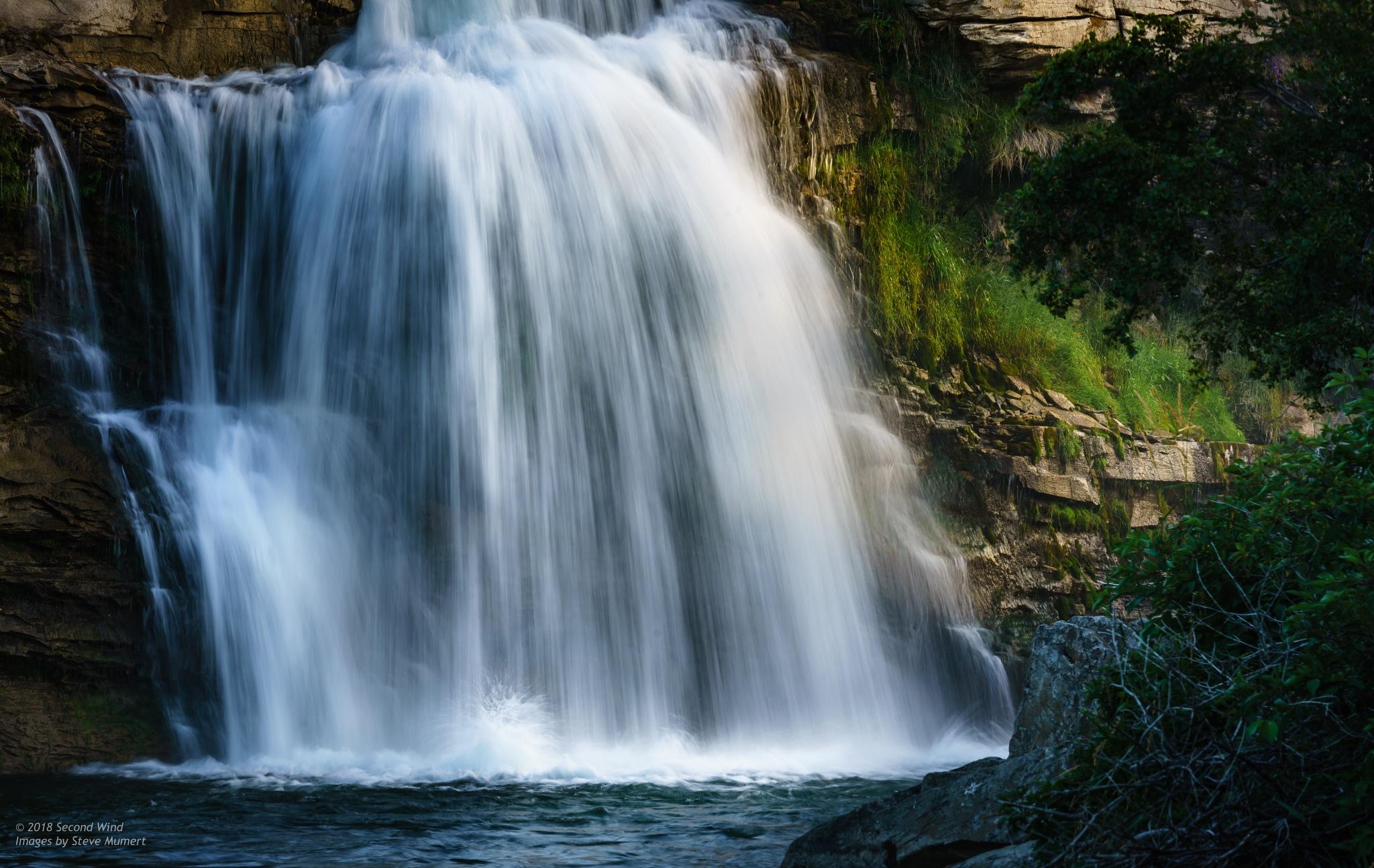 Lundbreck Falls by SteveMumert