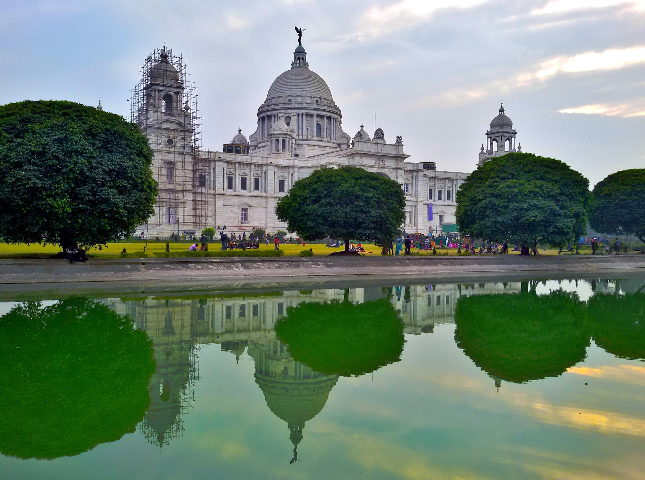 Victoria Memorial by Manab Das