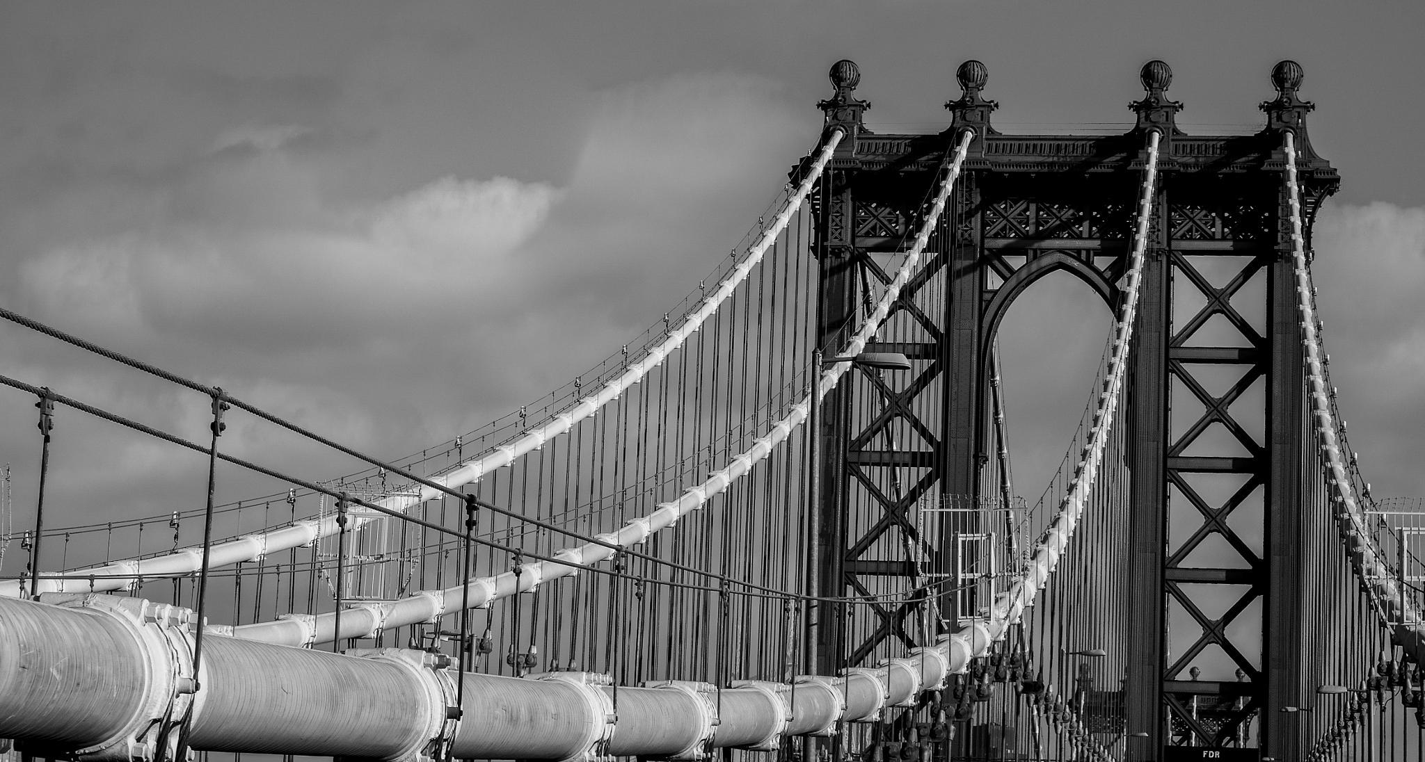 Manhattan Bridge by ViktorMiloslavsky