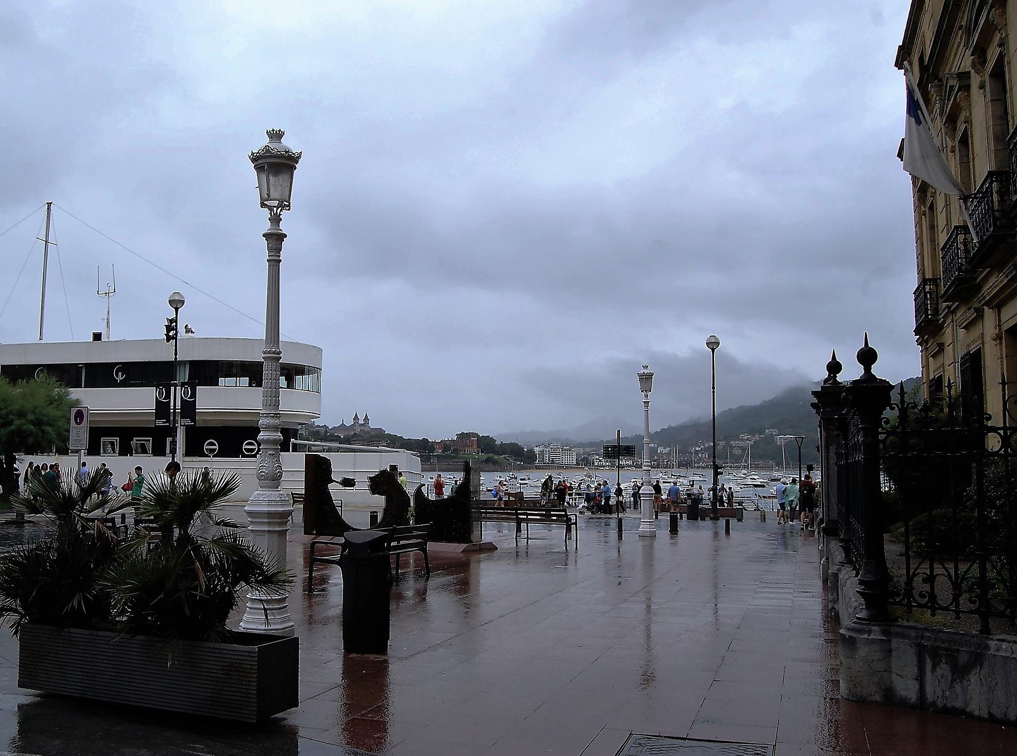 A rainy day in San Sebastian by lillemor.ekstrom ek