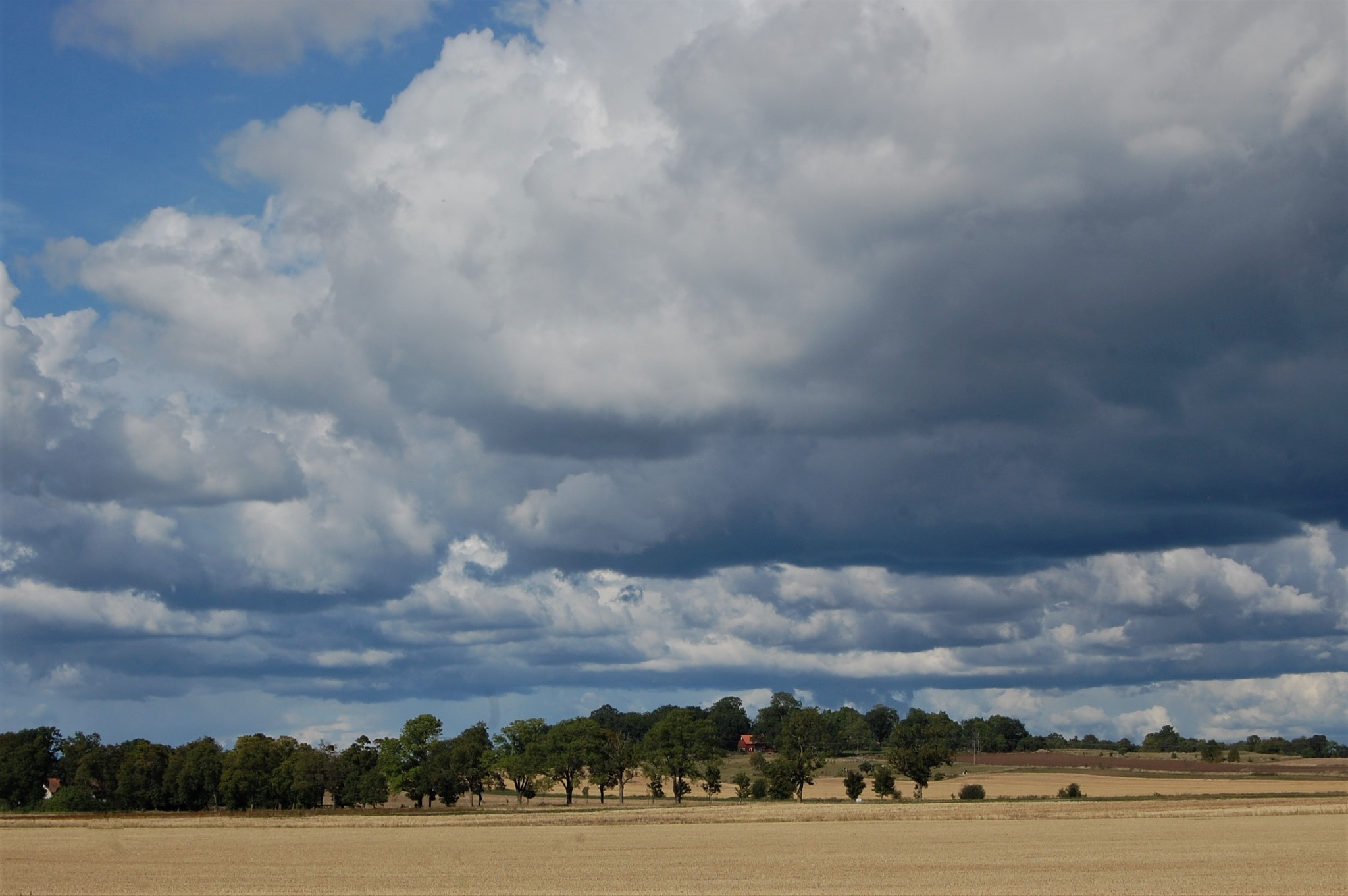 Clouds over Östgötaslätten by lillemor.ekstrom ek