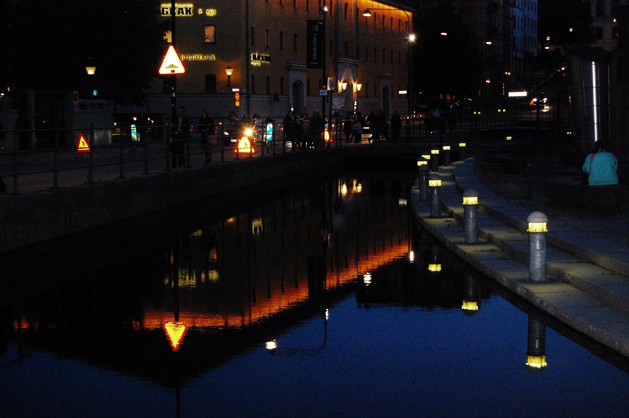 Reflections in the night by lillemor.ekstrom ek