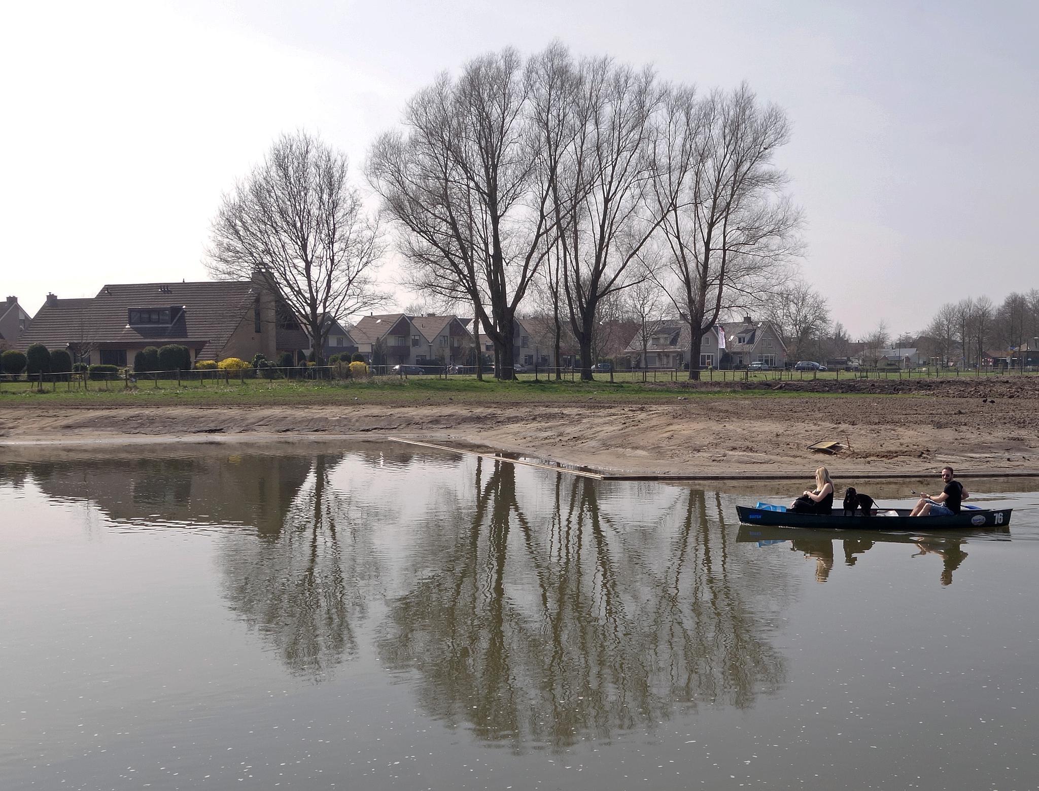 "Relaxing in the river ""Kromme Rijn"" by hugodejong35"