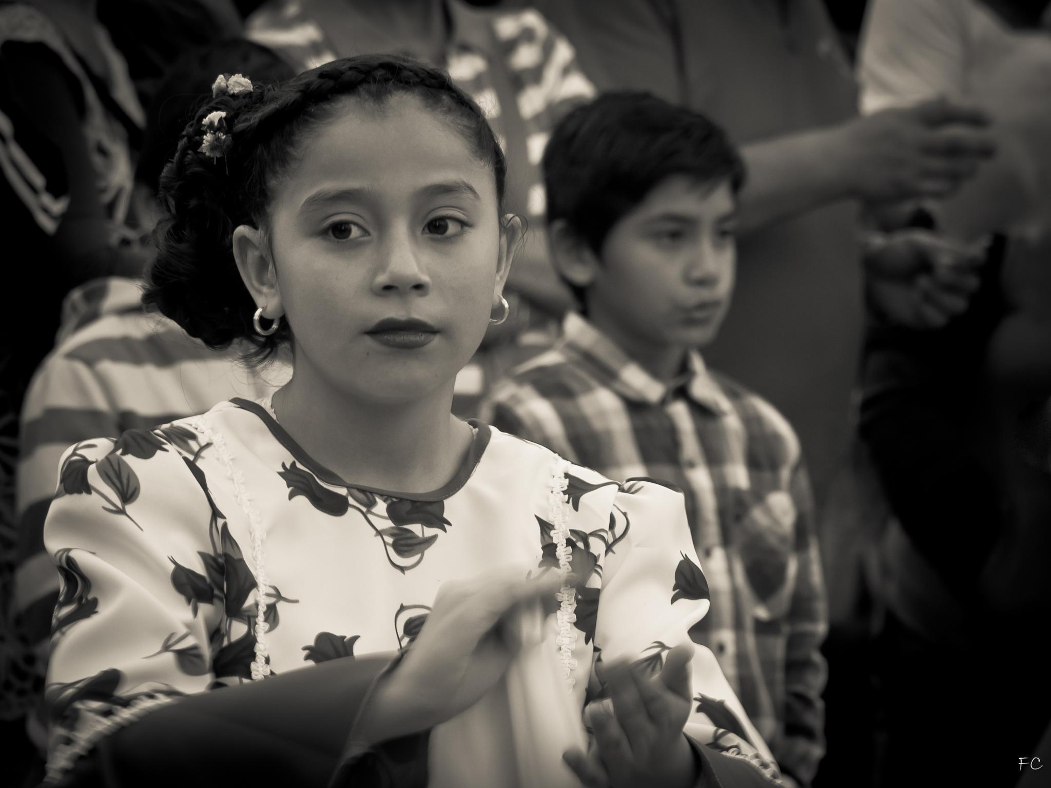 Dancing cueca  by FlaviuCodorean