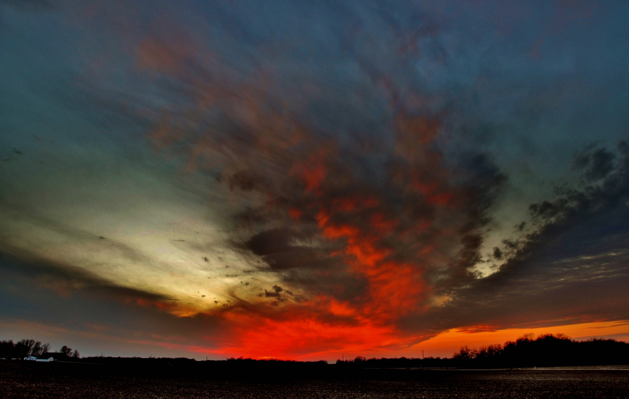 Sweeping sunset. by debbylesko