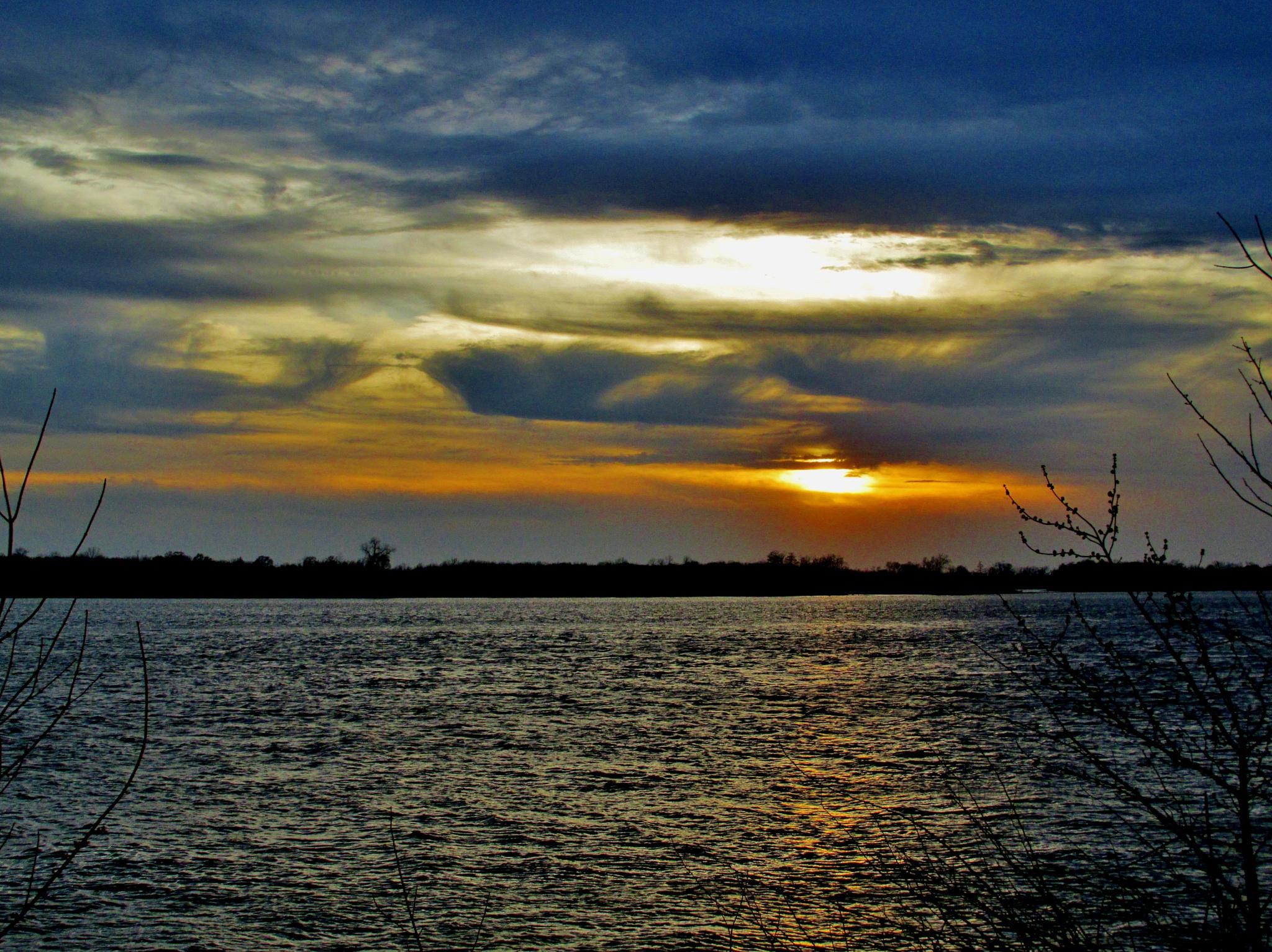 Sunset on the Illinois river by debbylesko