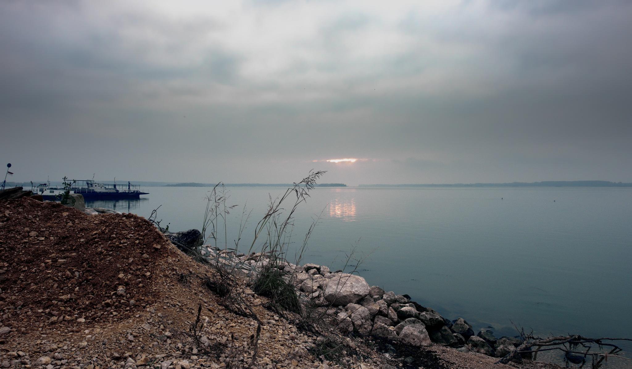 Sunset on the Danube by elena.biianu