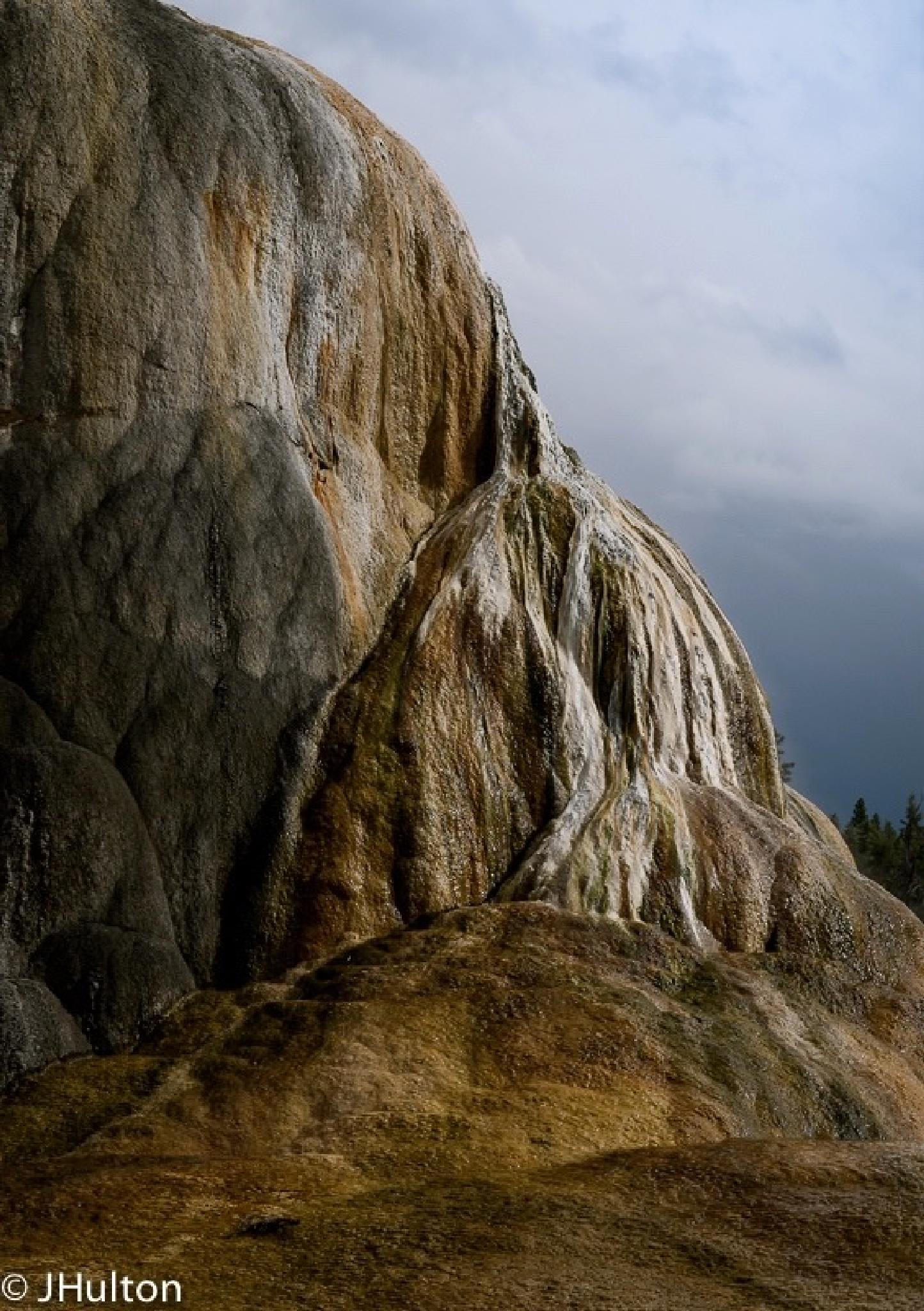 Yellowstone Upper Mammouth by jhulton