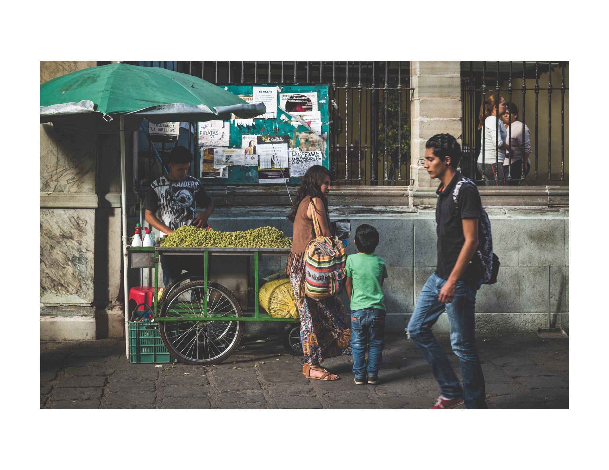 Street Vendor by jhulton