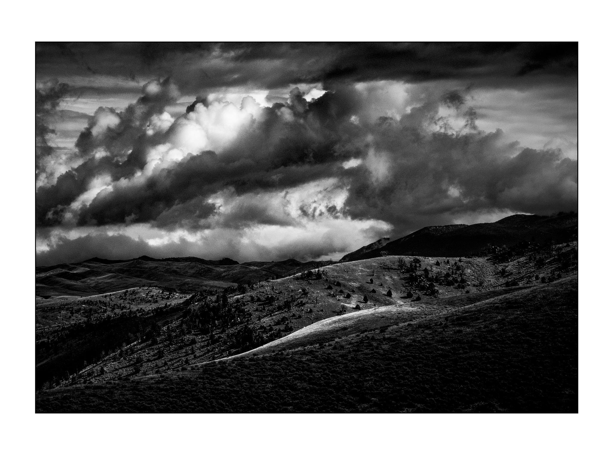Black Cloud White Line by jhulton