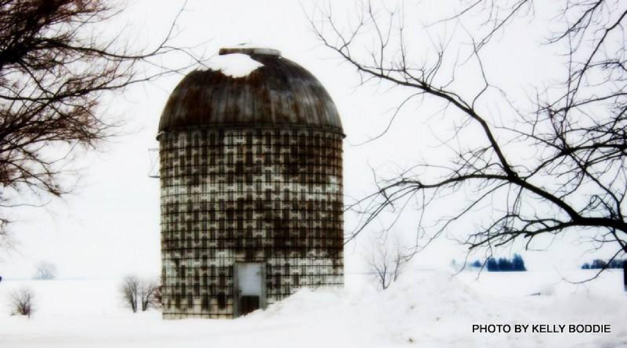 Corn Crib in Winter by kelly.boddie
