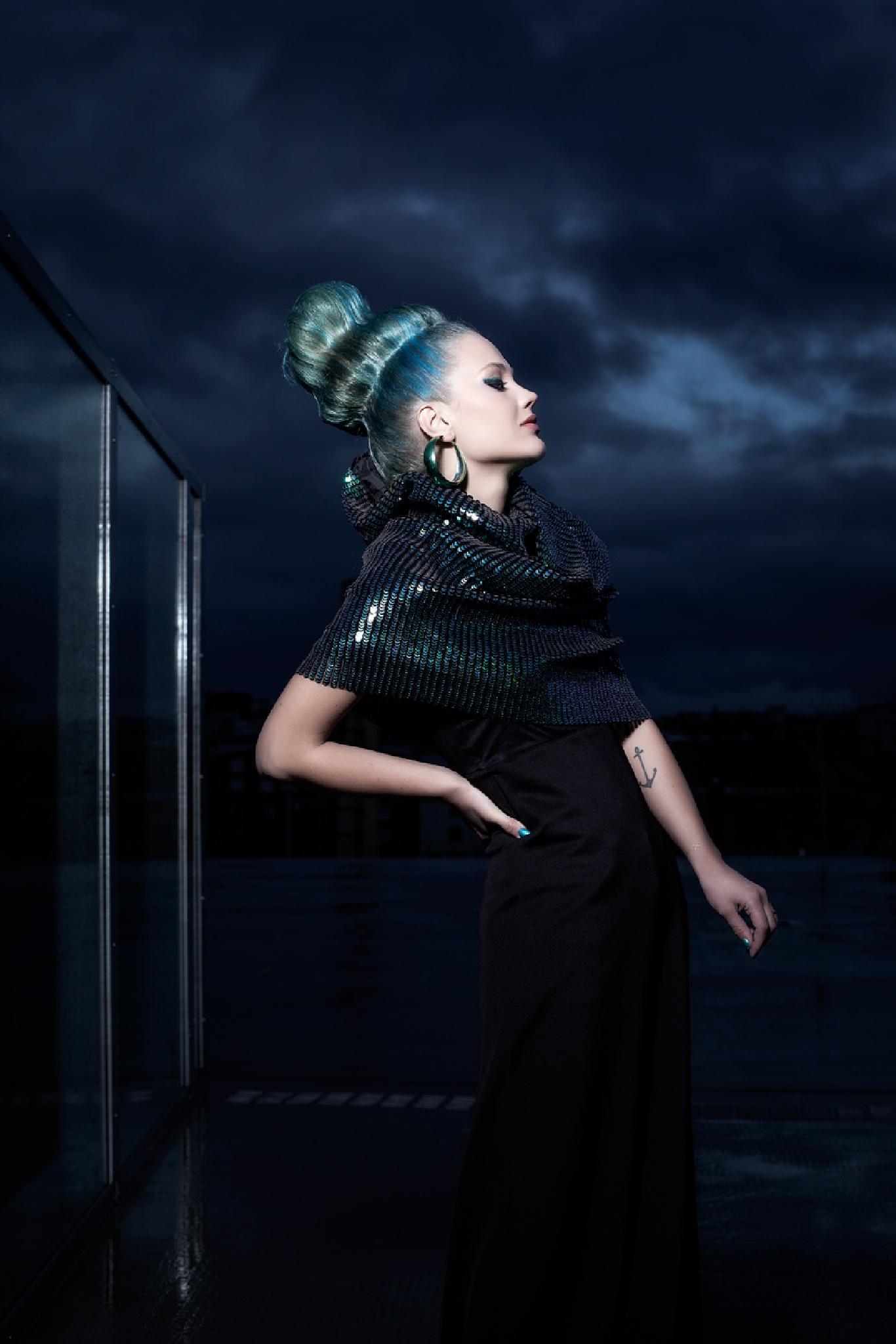Queen Hair  by John Andre Aasen