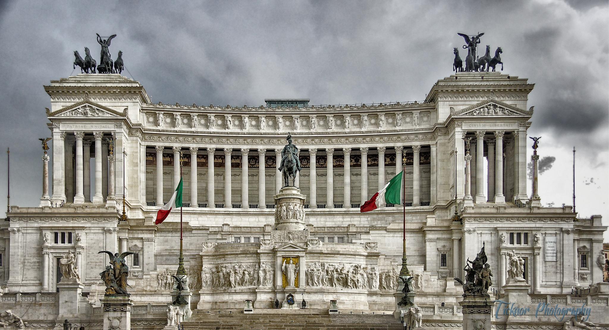 Wedding Cake - Monumento Nazionale a Vittorio Emanuele II by TicknorPhoto