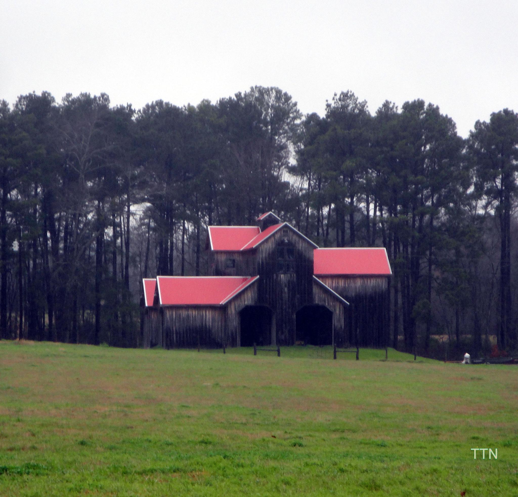 Old Barn by tammy.jacksonnyman