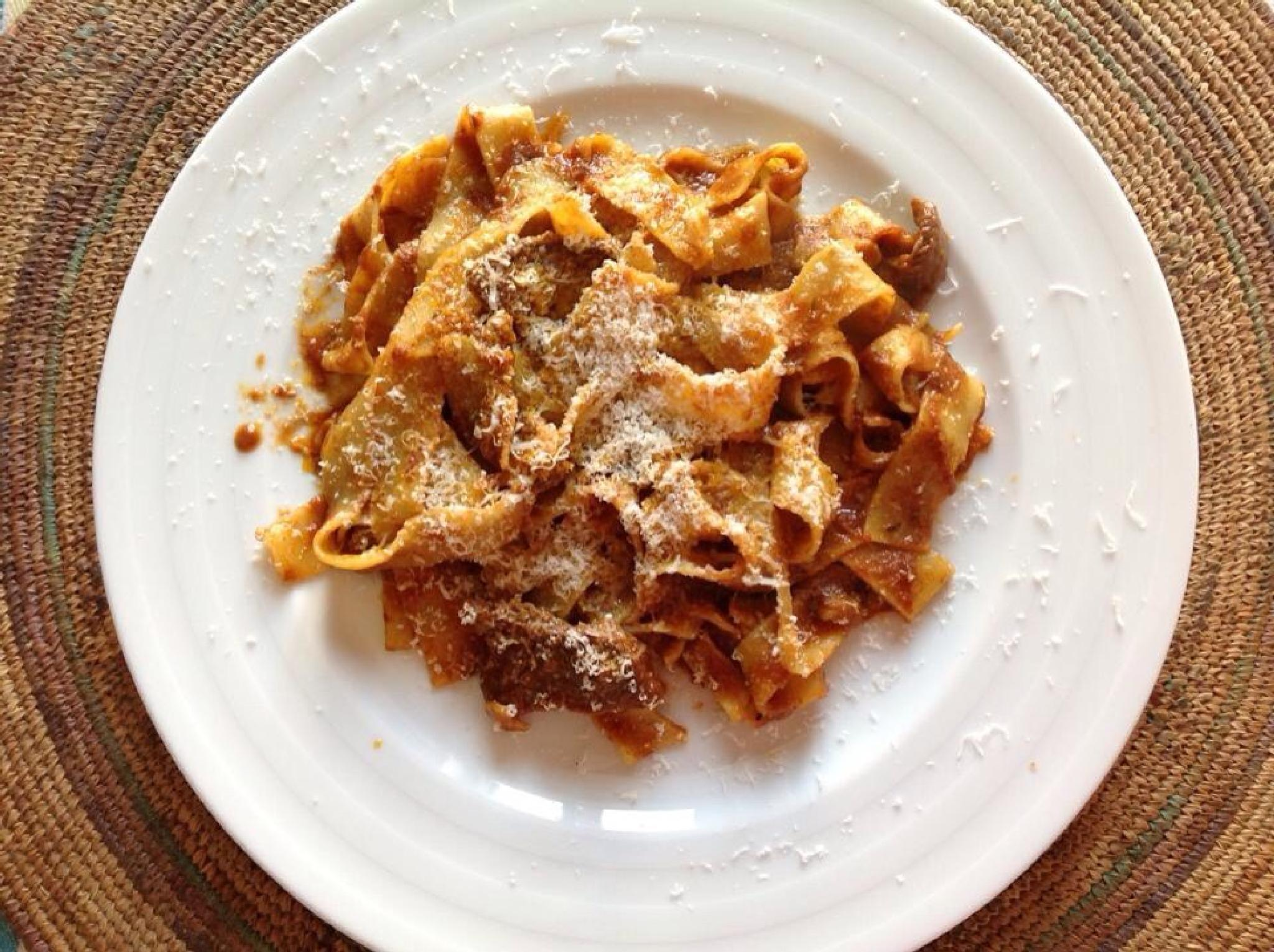 Fettuccine tomato sauce. by grossiroma