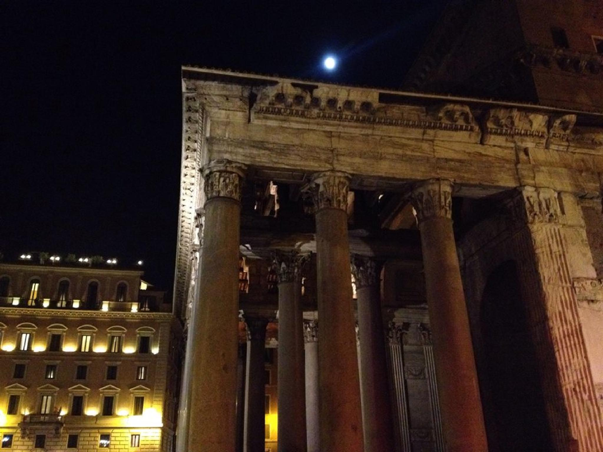 Pantheon at night, Rome. by grossiroma