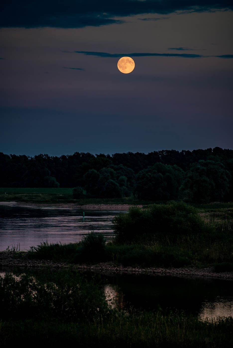 moonrise elbauen by elu