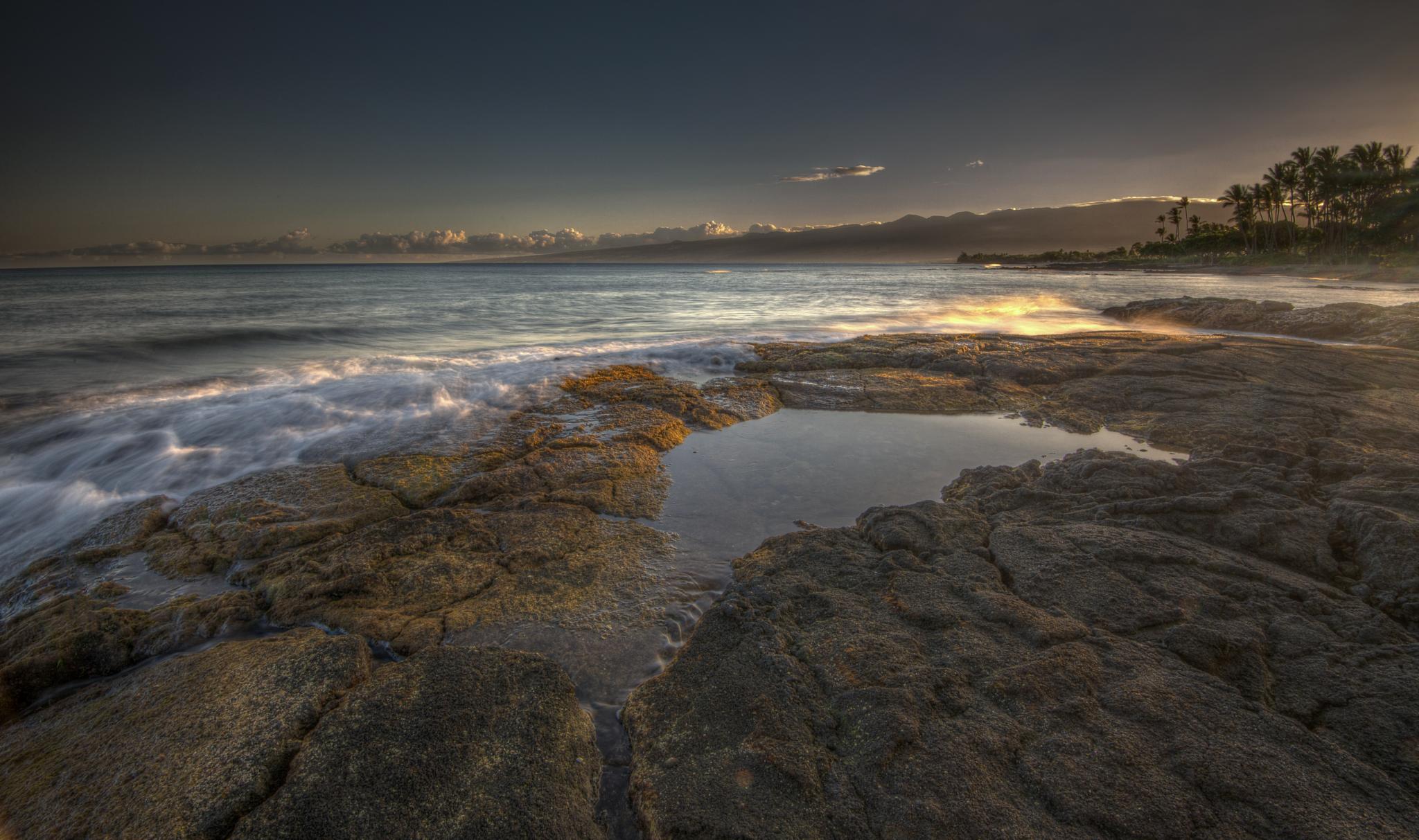 Big Island sunrise by Samuel Lethier