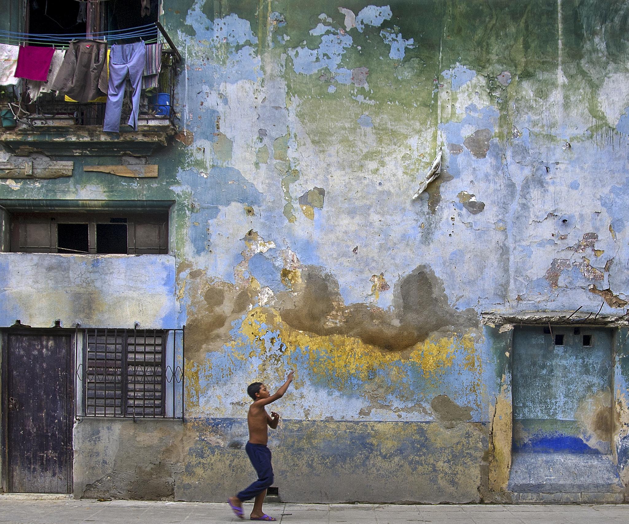 Havana Street by Peter Puddiphatt