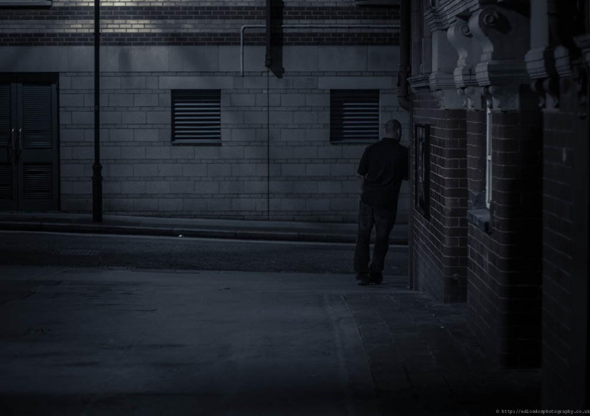 errr shall I walk or wait for him to go? by edozollo