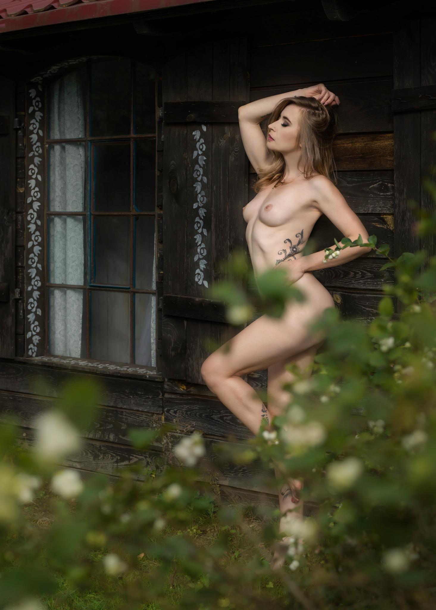 Izabella  by Mazurskie Studio Fotografii
