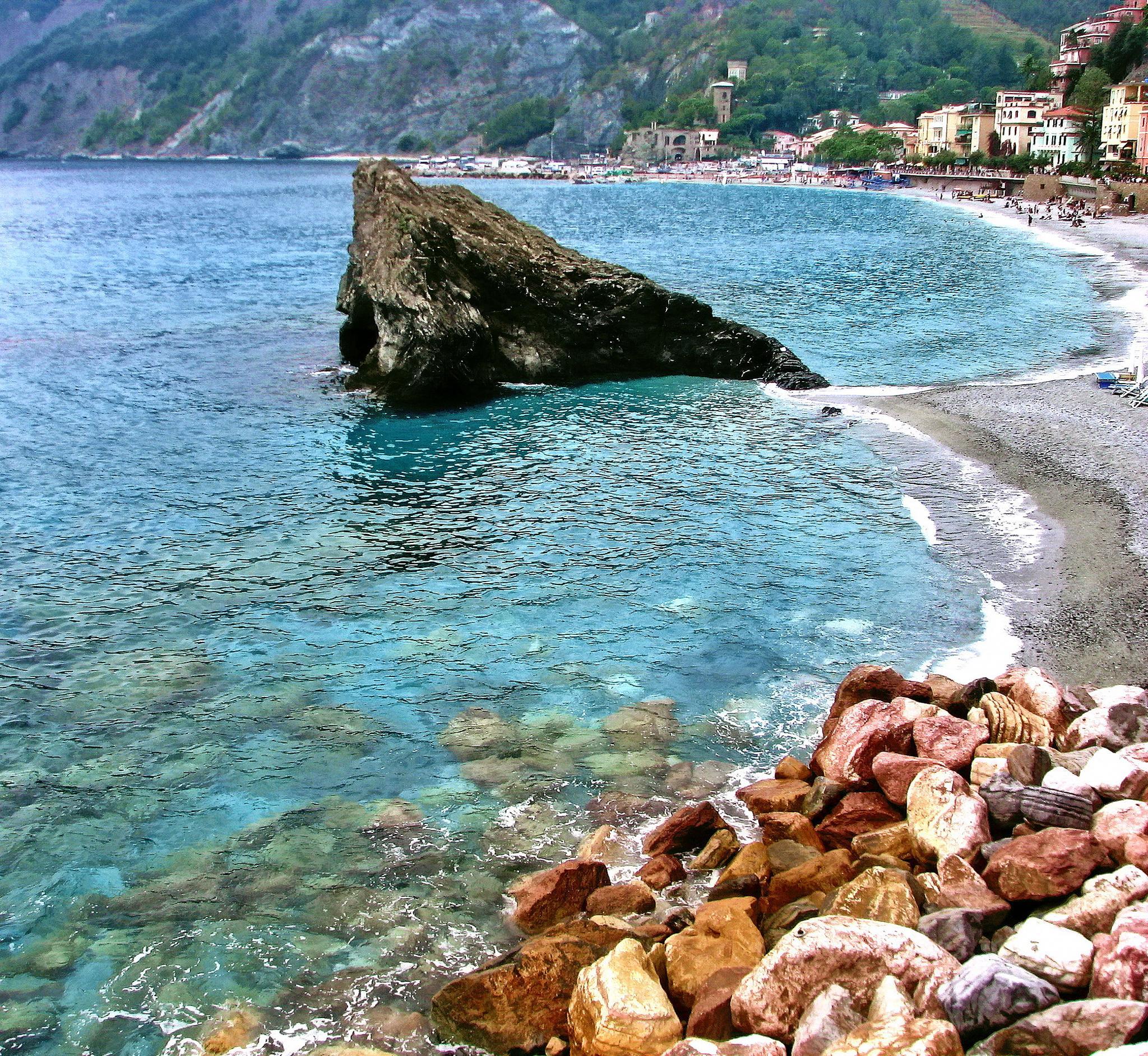 Monterosso al Mare coast, Cinque Terre by BernardaBizjak