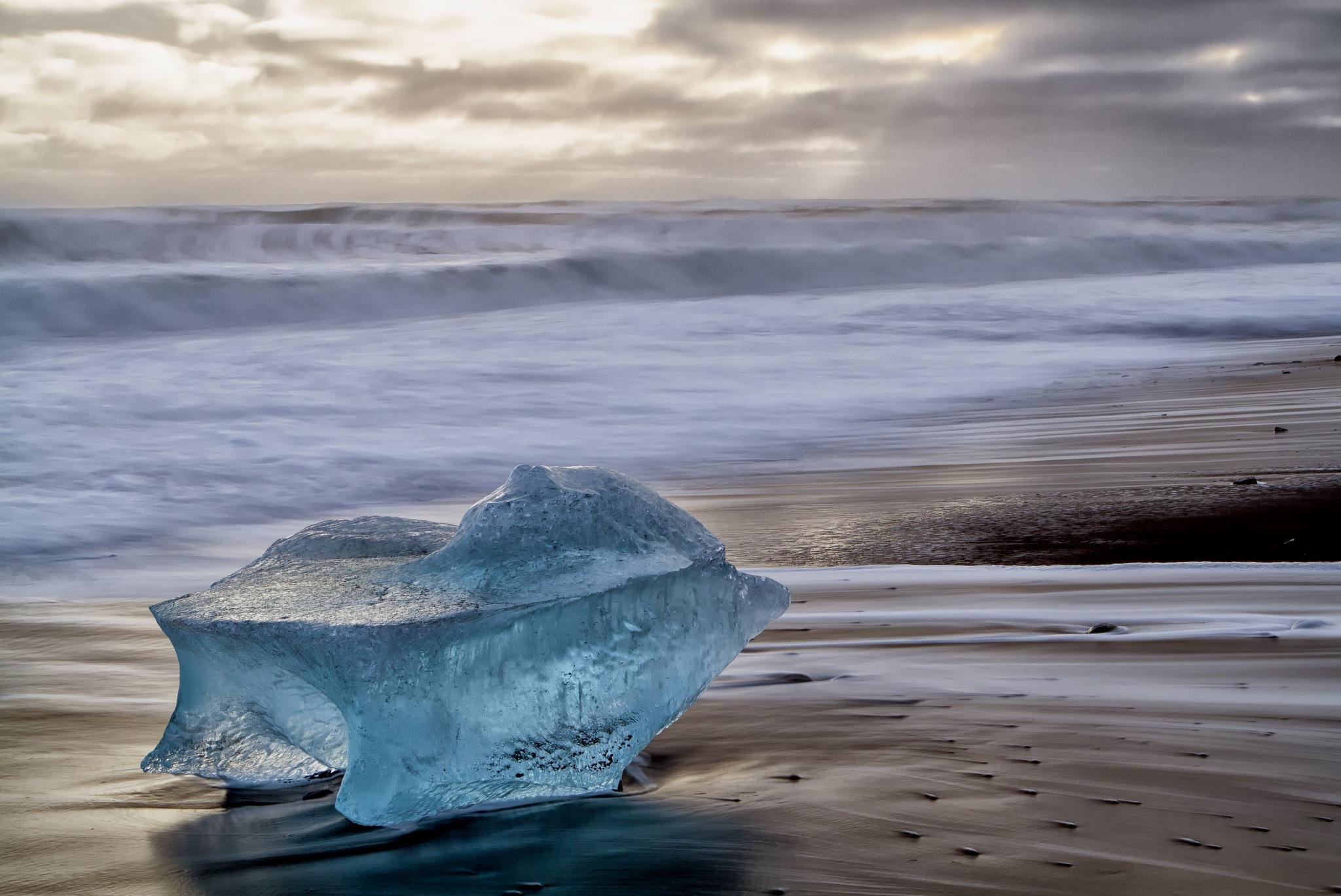 Beautiful blue Breidamerkursandur ice by Gordon Dryden