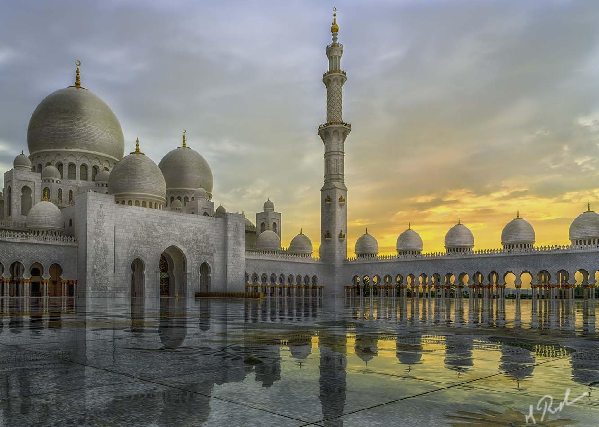 Sheikh Zayed Grand Mosque by Rustam Azmi