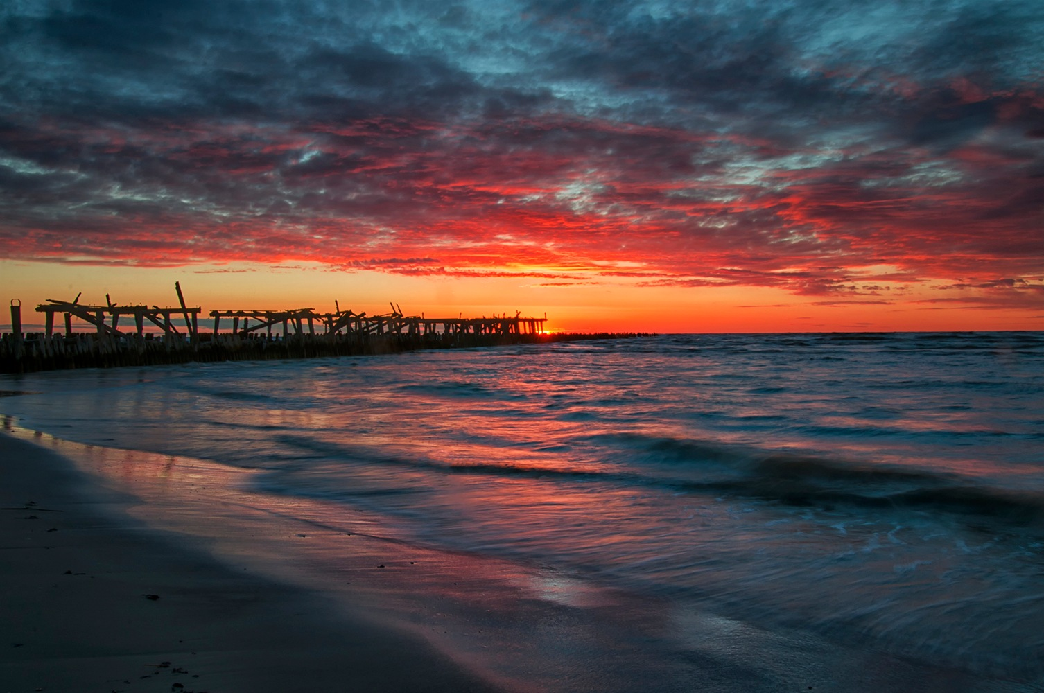 Sunset by azelevas