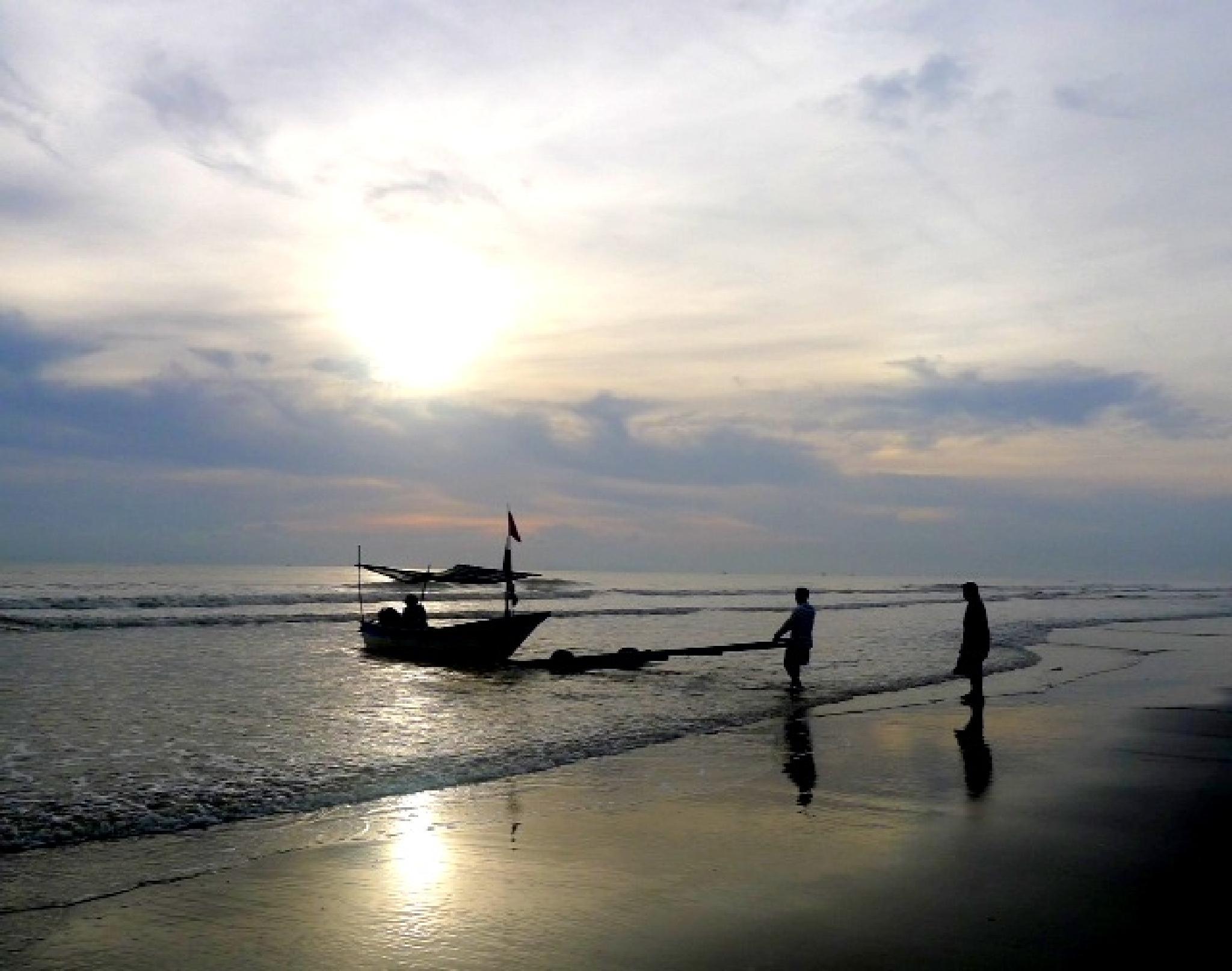 Going fishing.. by Adib Noh