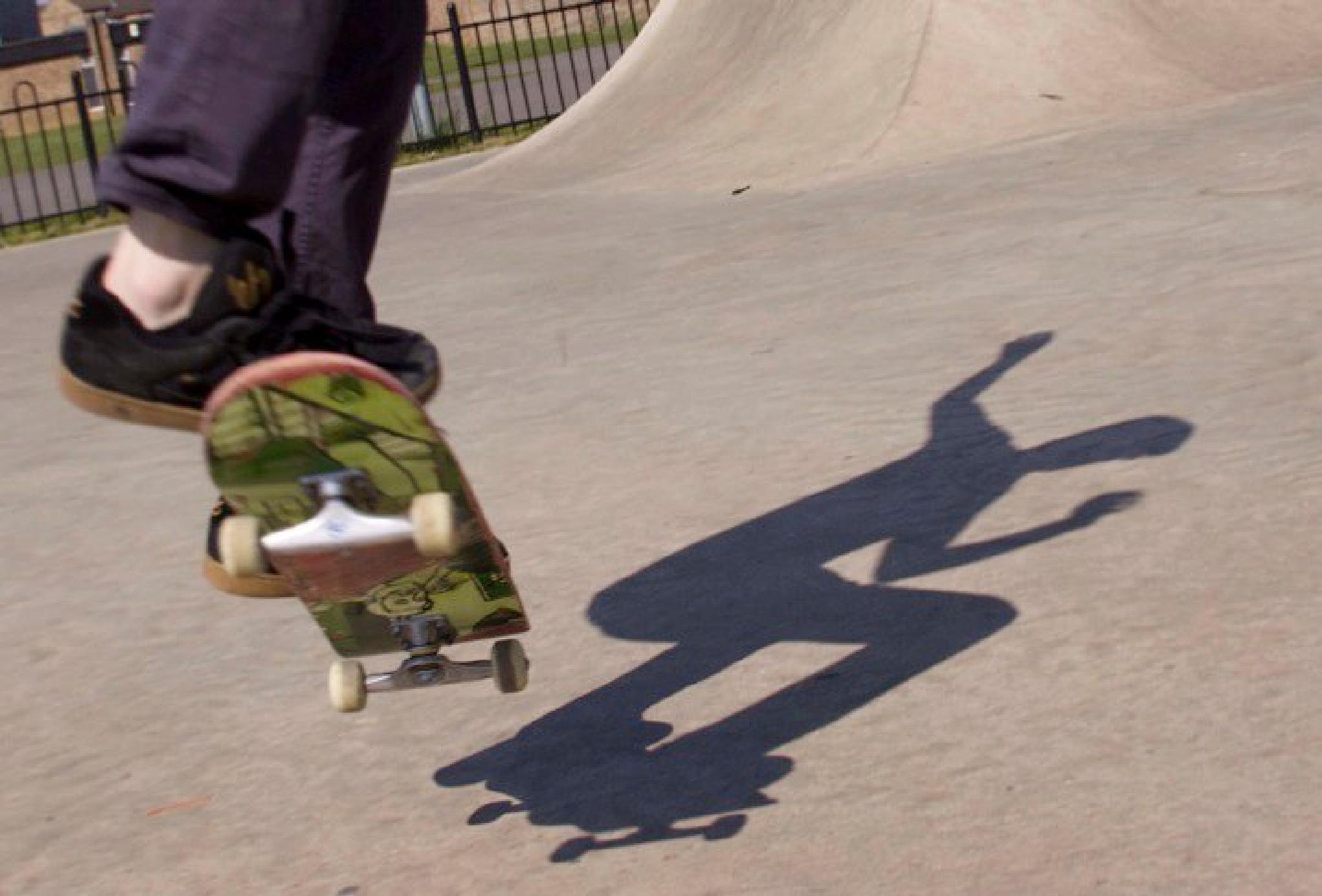 skate shadow by shorey