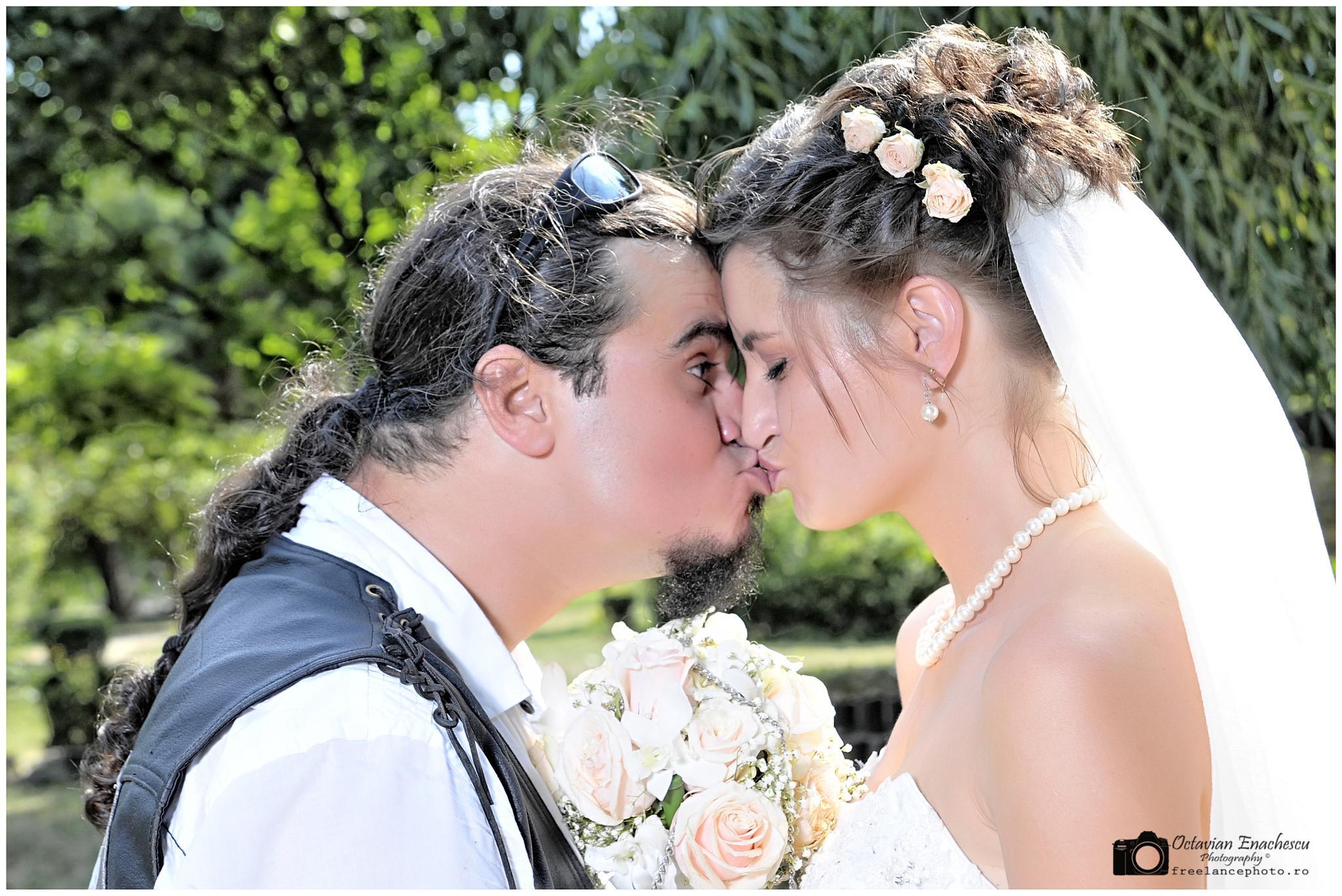 Best Kiss by Octavian Enachescu