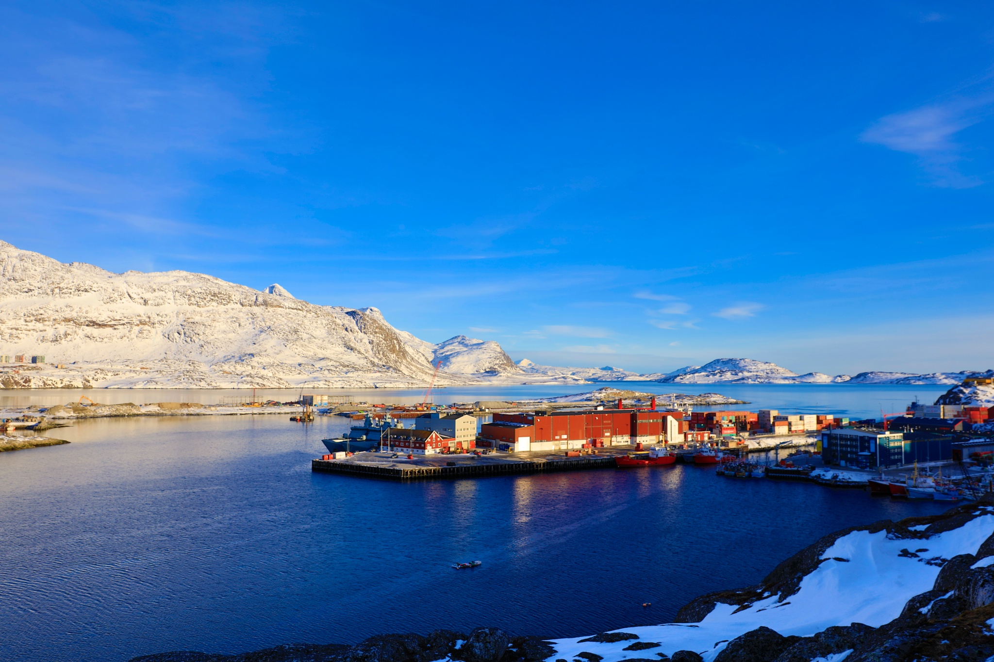 2 april Nuuk havn  by Tom Augo Lynge