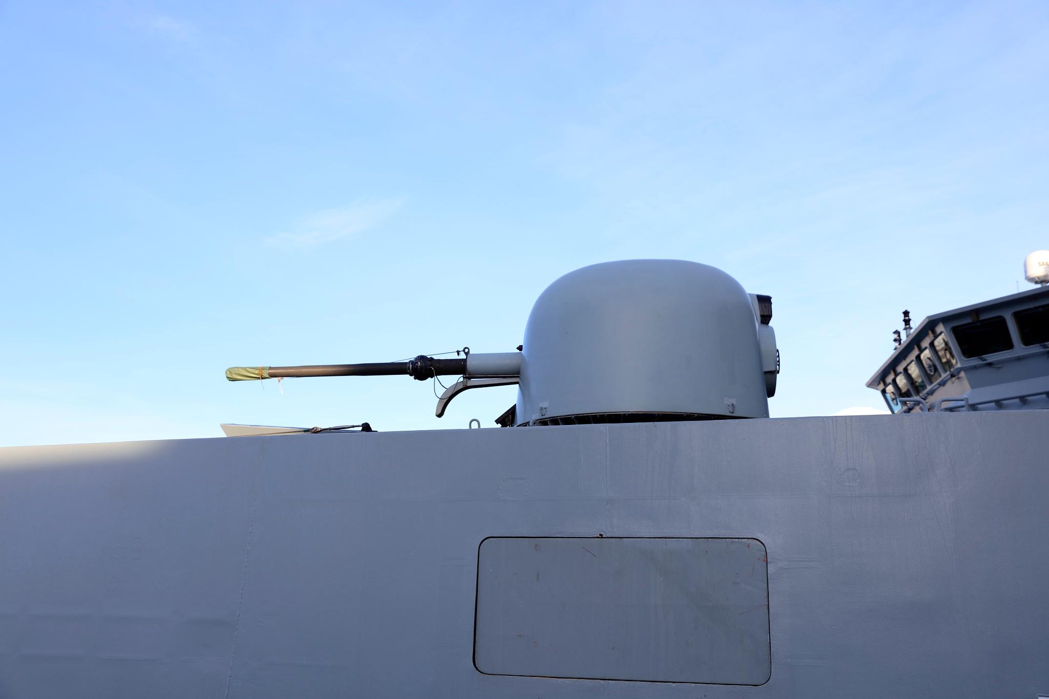 forsvaret p 571 og søsterskibet p570 by Tom Augo Lynge