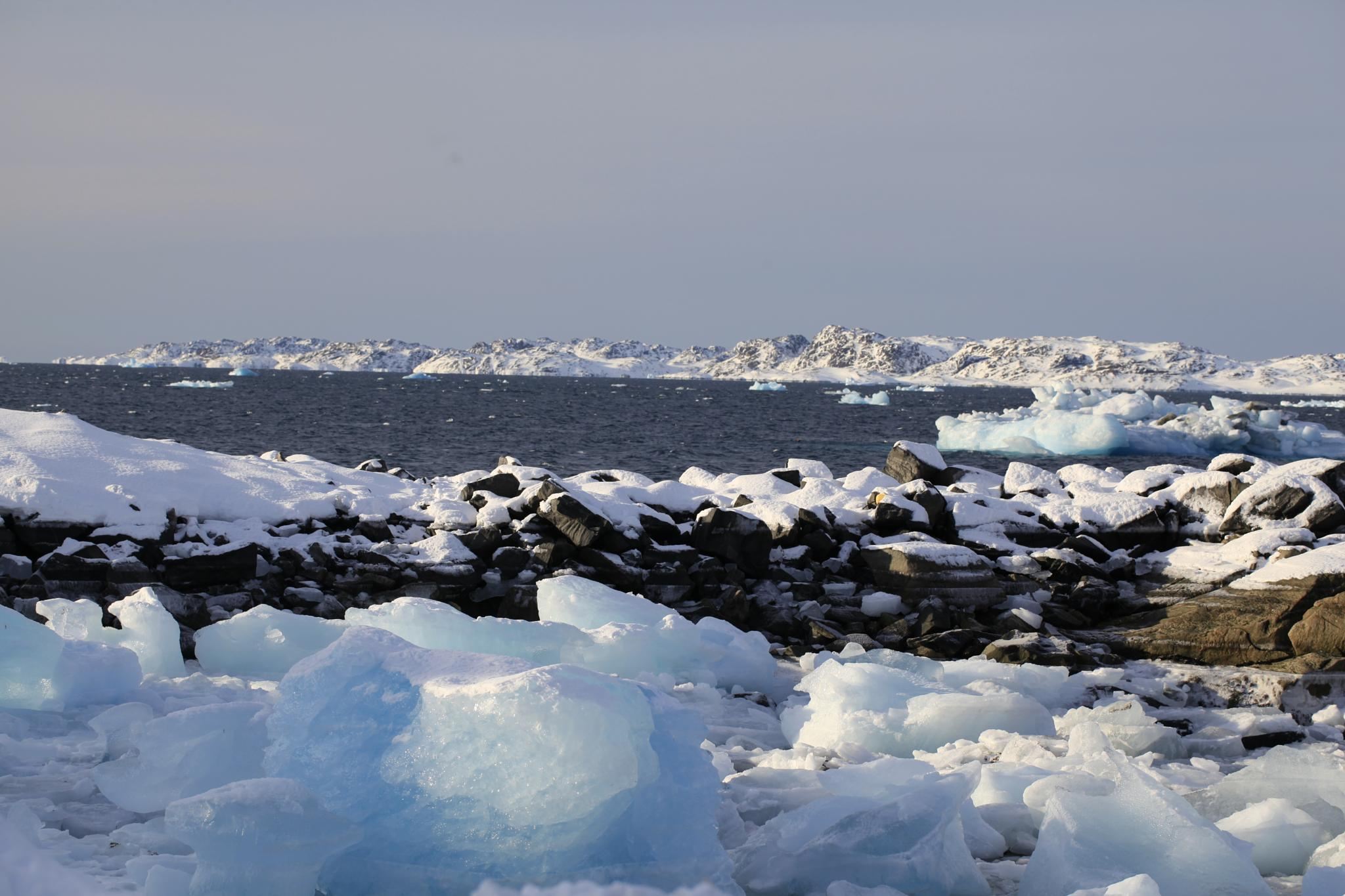 greenlandic ice, good i a whisky chus, beautiful look on, but dangerous when sail, make hull in boat by Tom Augo Lynge