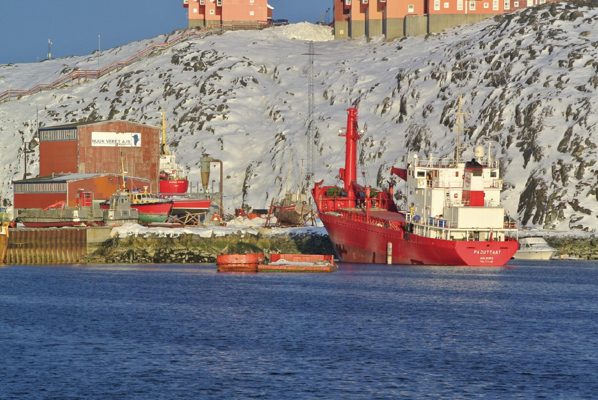 Nuuk shipsyard, service and repair.Nuuk værft. by Tom Augo Lynge