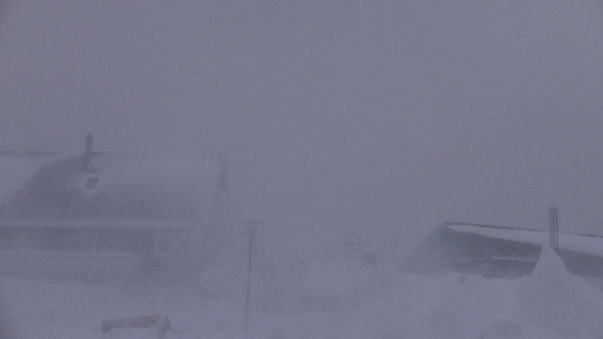 3 feb.strong wind a lot off snow , blizzard.hmm by Tom Augo Lynge