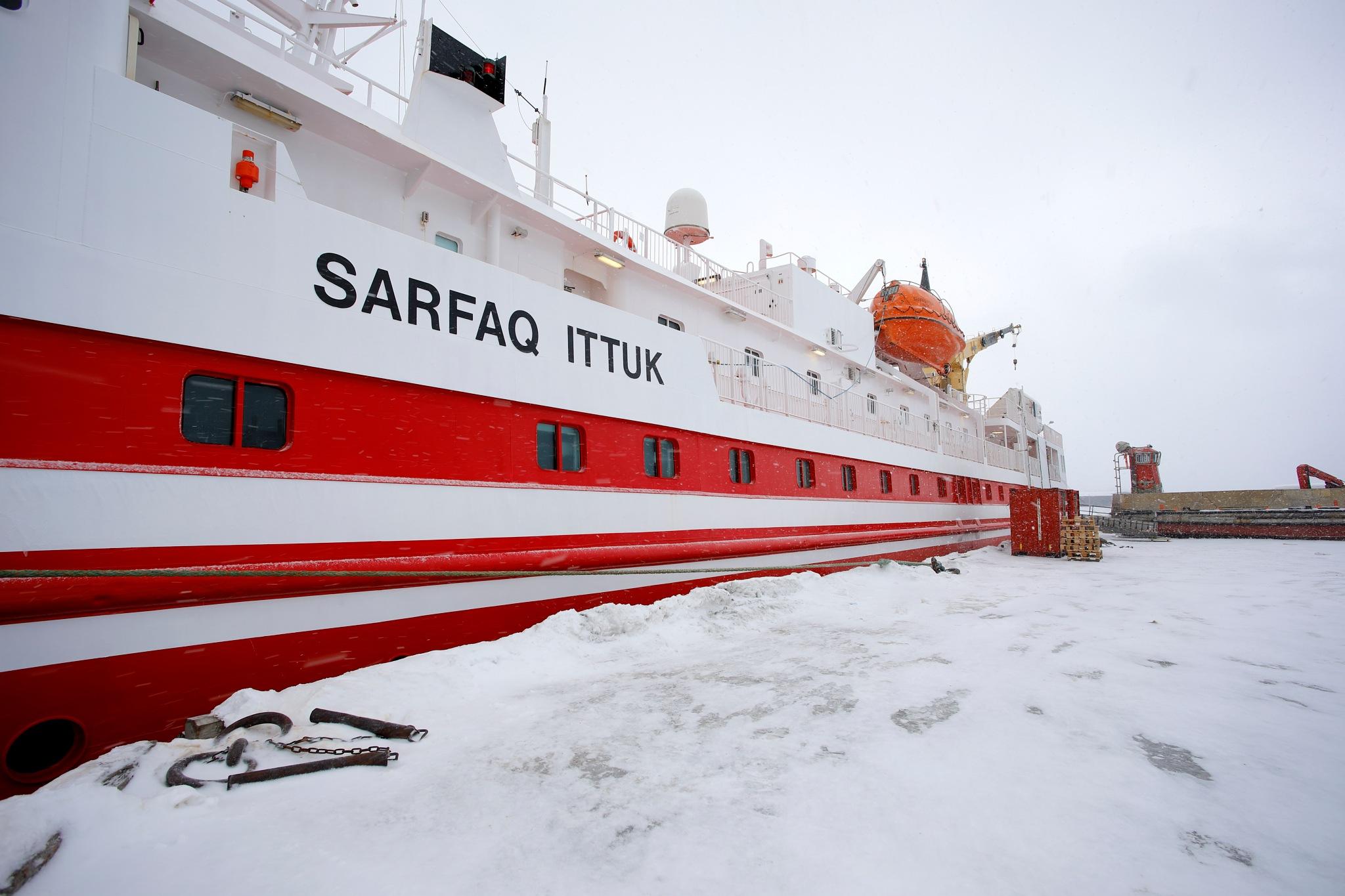 grønlands eneste rigtige passerfartøj sarfaq by Tom Augo Lynge