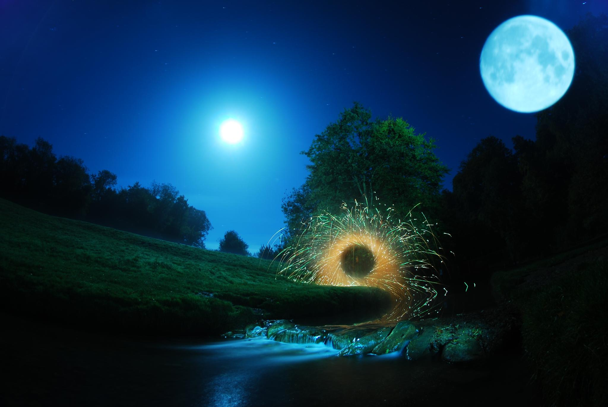 Hubbards hills fountain spin and the moon by JamesdeLunaLightpainting