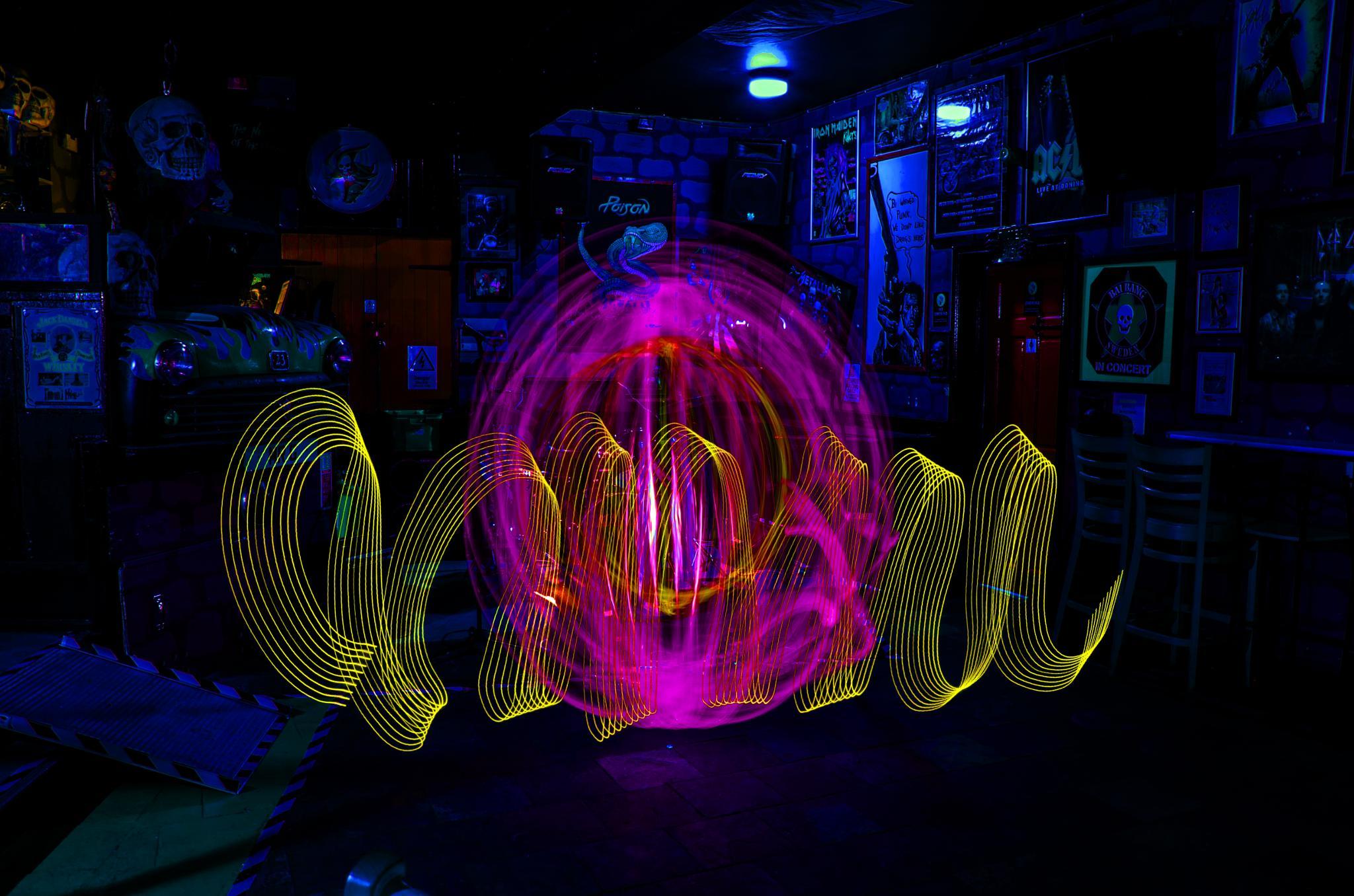 orb light painting in a pub by tobiasmaxximus