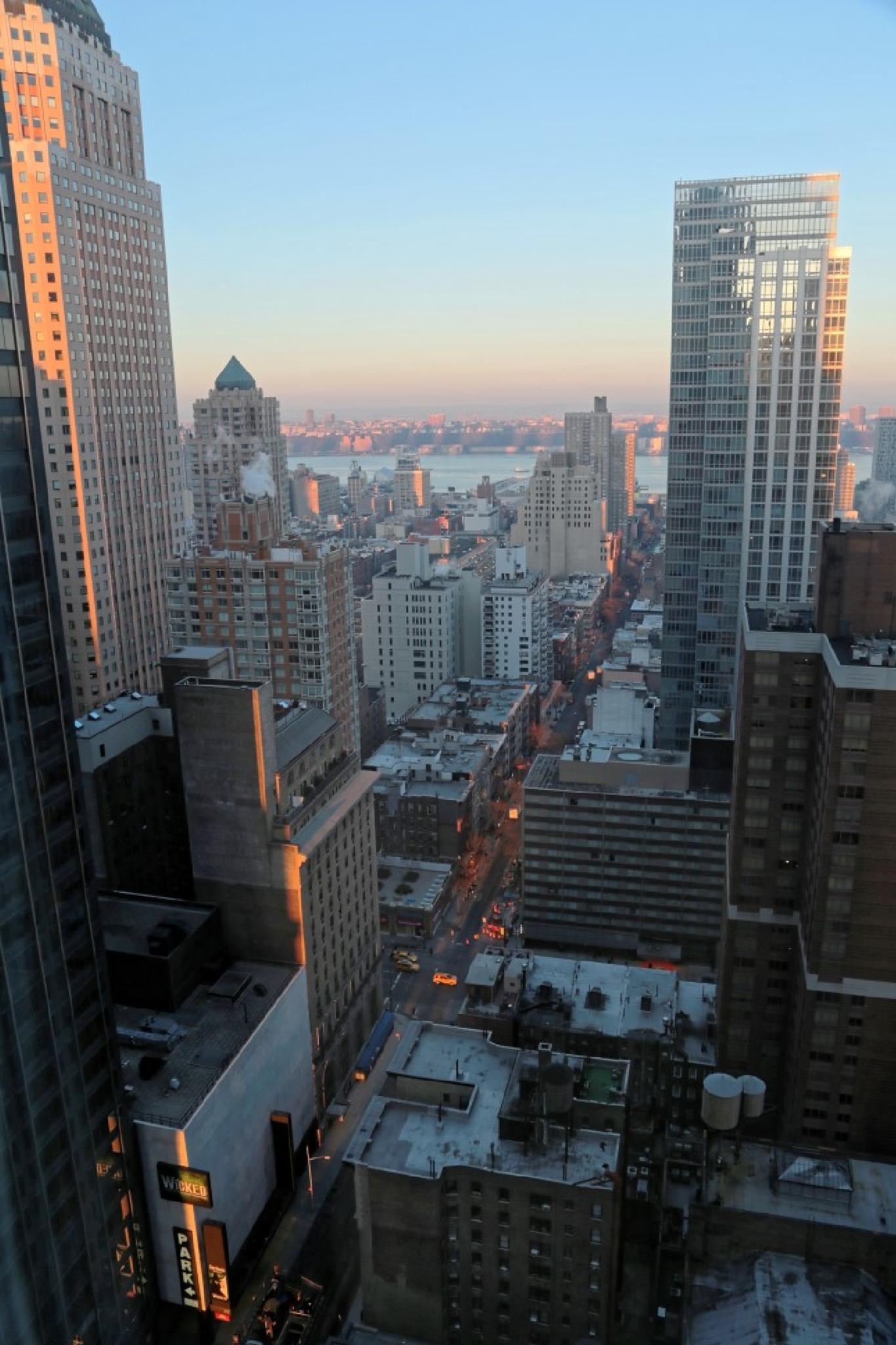 Manhattan Sunrise by Shahar Klein
