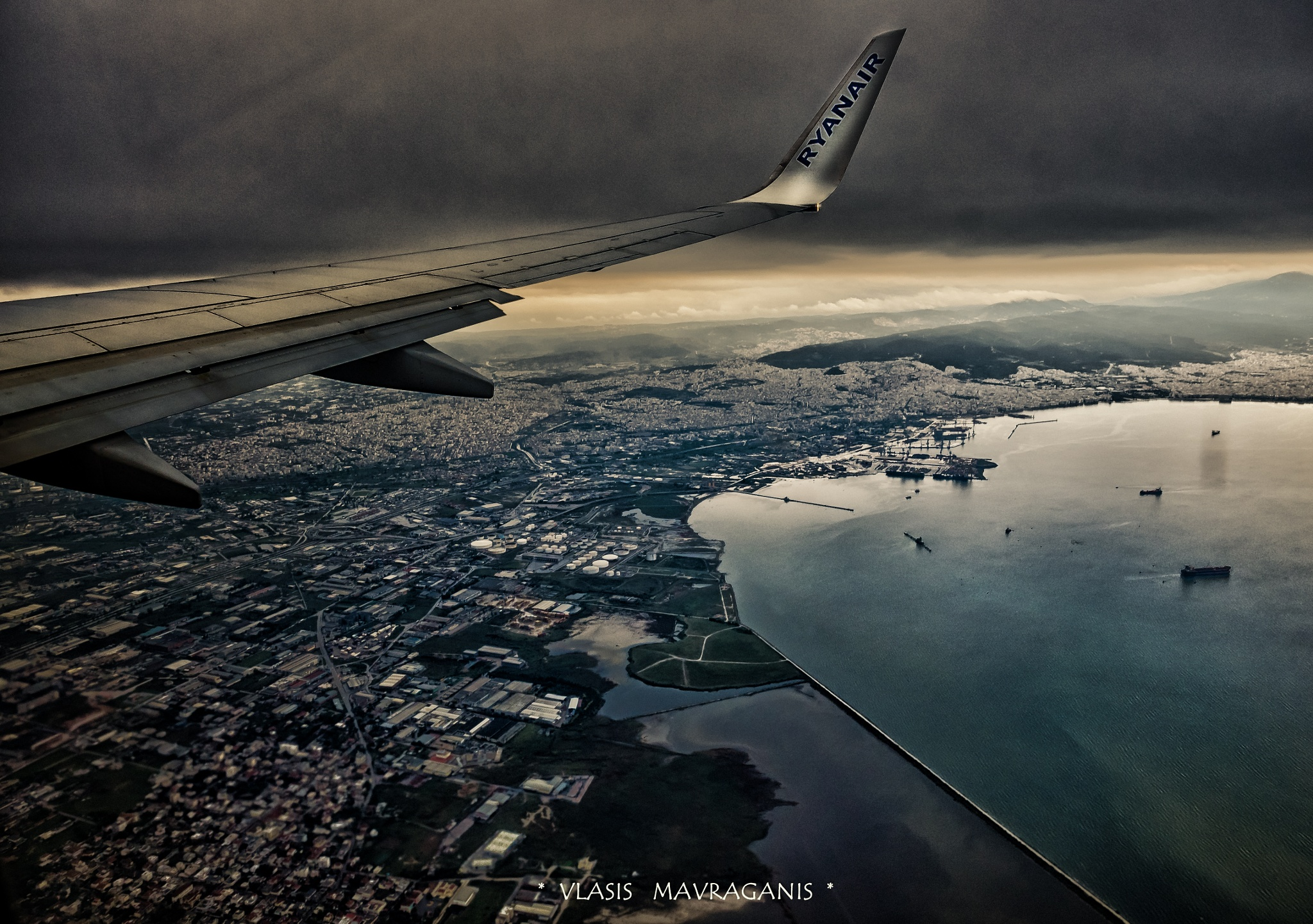fly away ......Thessaloniki from the sky ! by vlasis.mavraganis